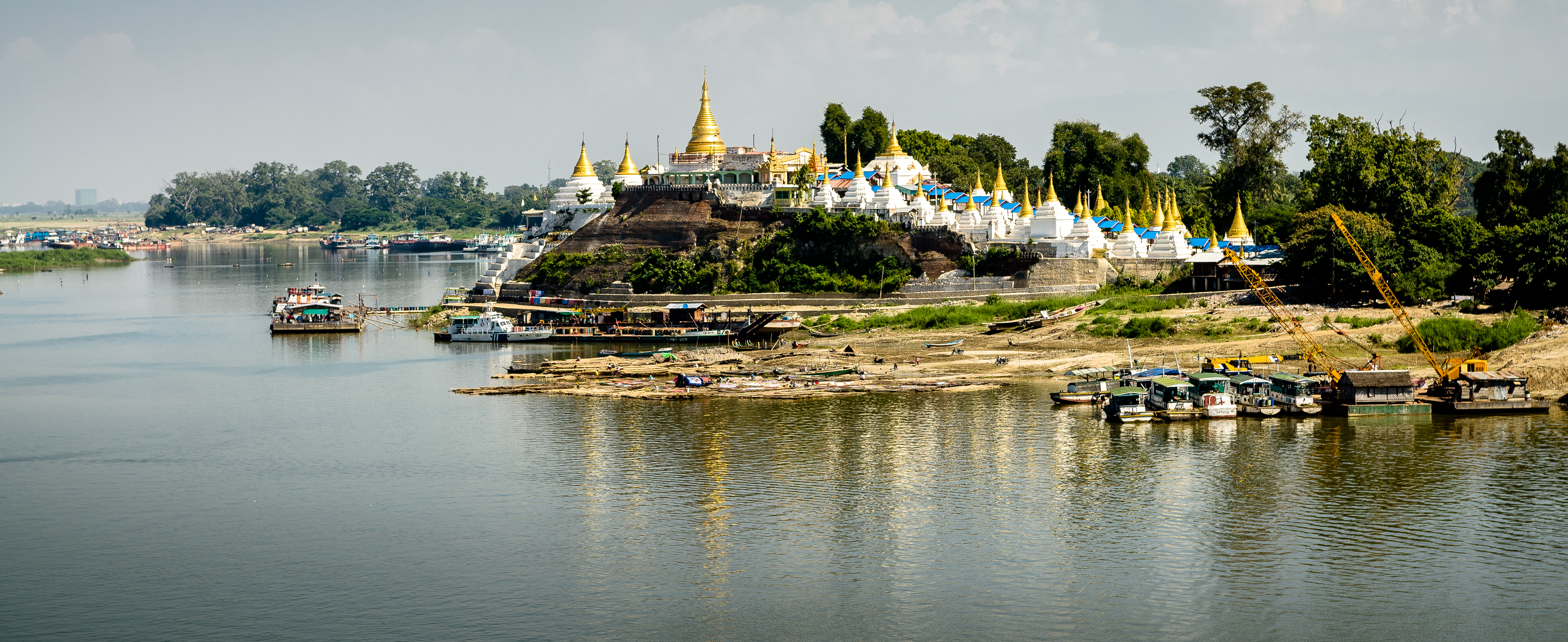 temple-view-from-irrawaddy-river