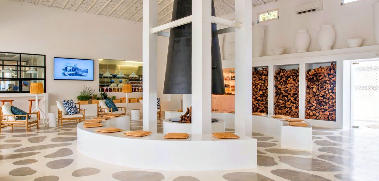 vila-monte-farm-house-lobby