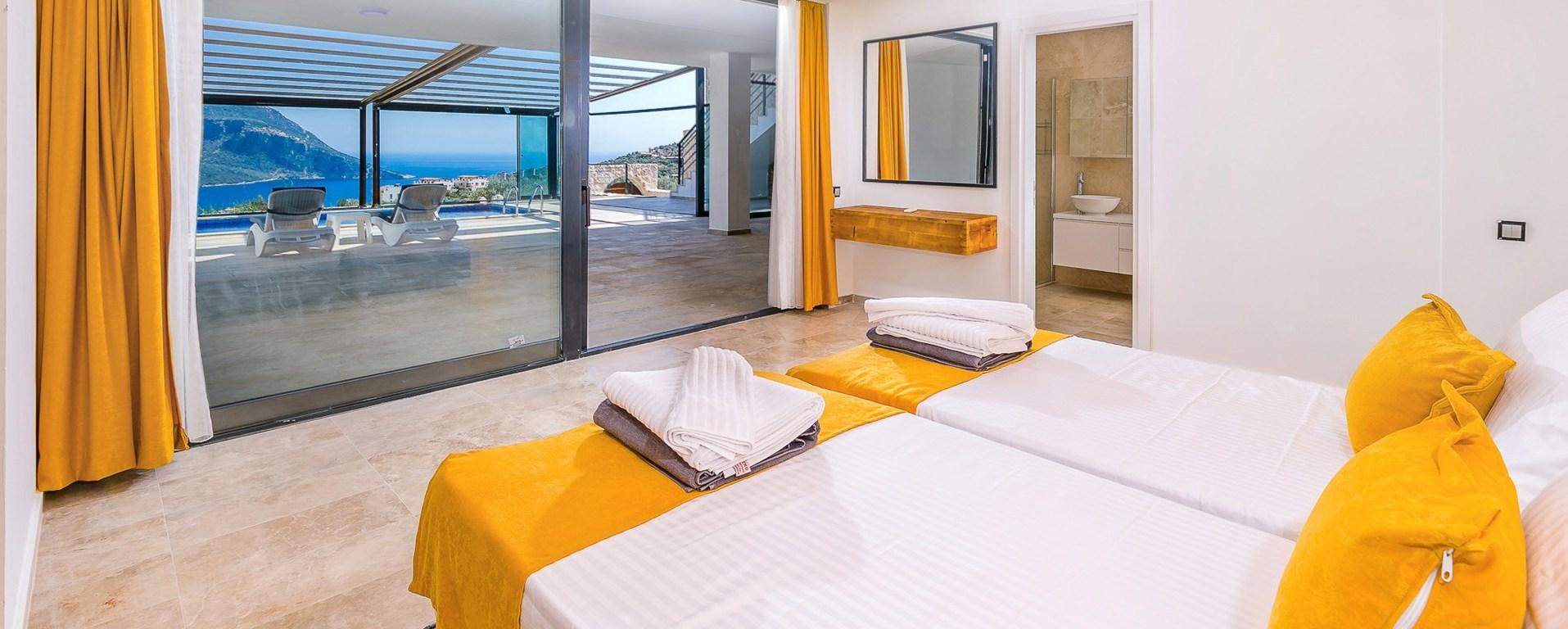 villa-neyla-kalkan-twin-bedroom