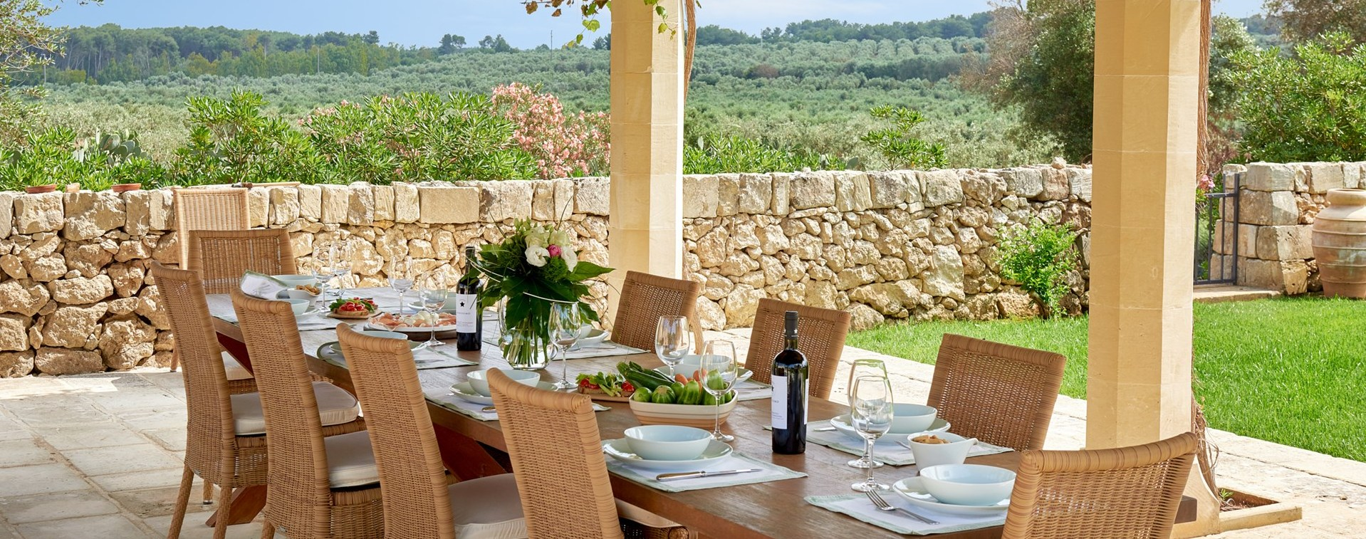 masseria-coloniale-outdoor-dining