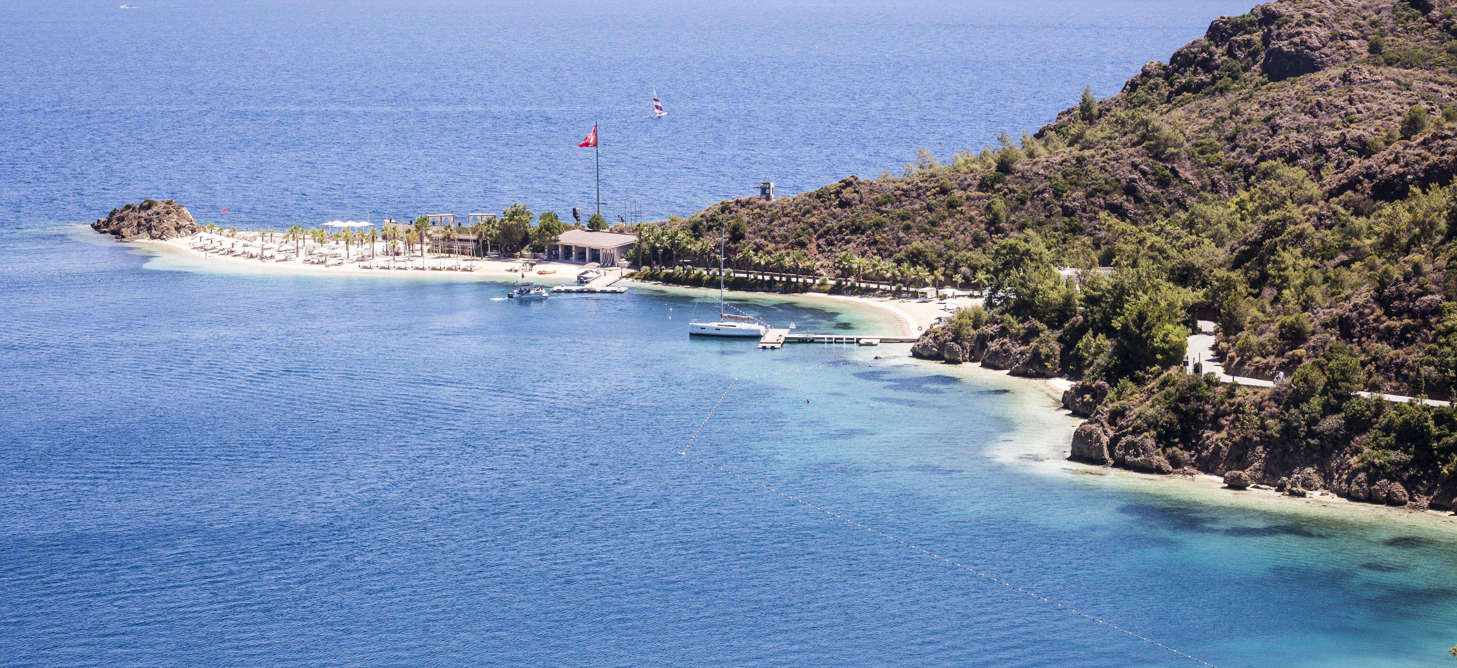 luxury-beach-hotel-aegean