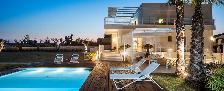 mare-nel-bleu-villa-exterior-night