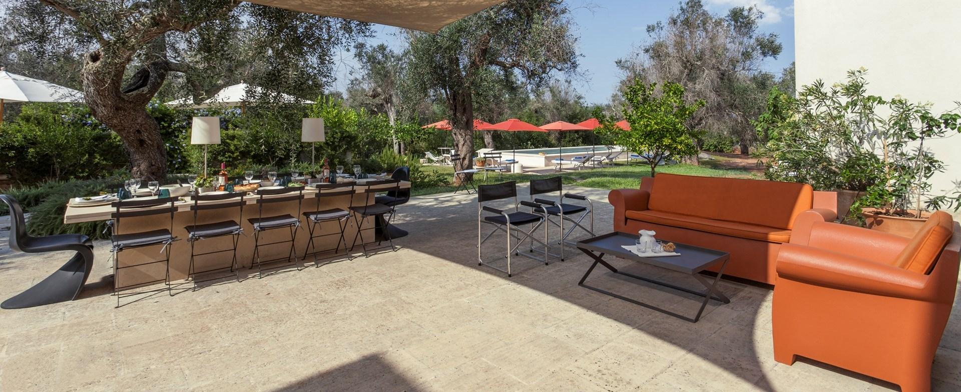 villa-tre-ulivi-dining-terrace
