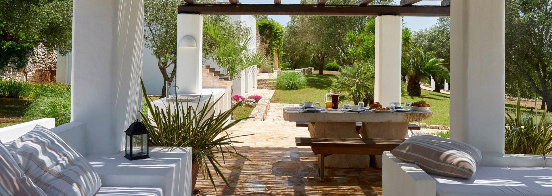 la-moresca-breakfast-terrace