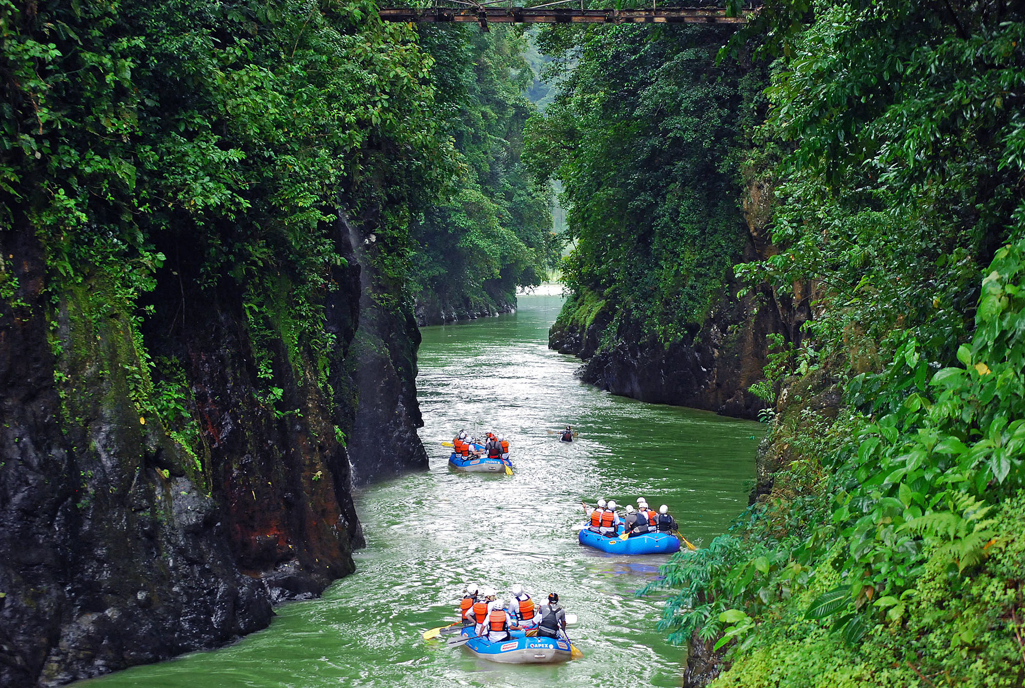 white-water-rafting-central-america