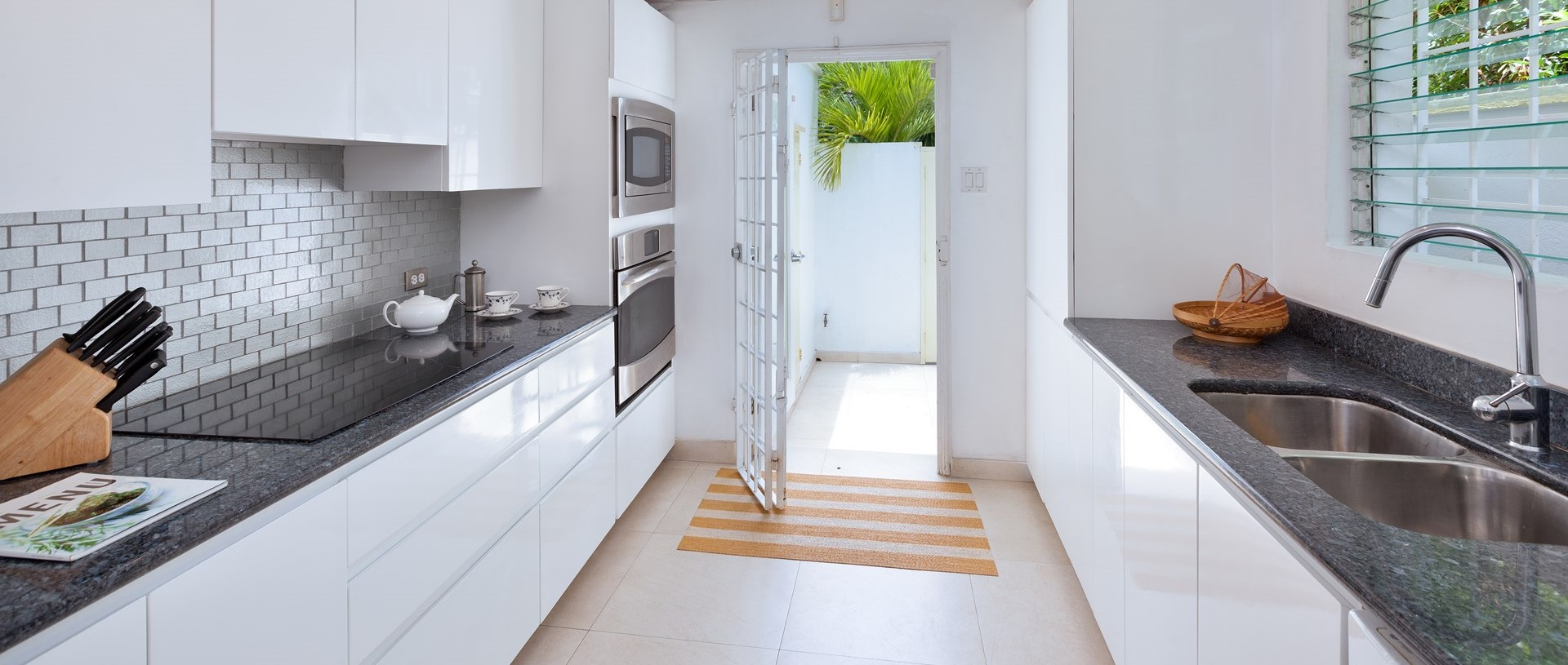 easy-reach-villa-barbados-kitchen