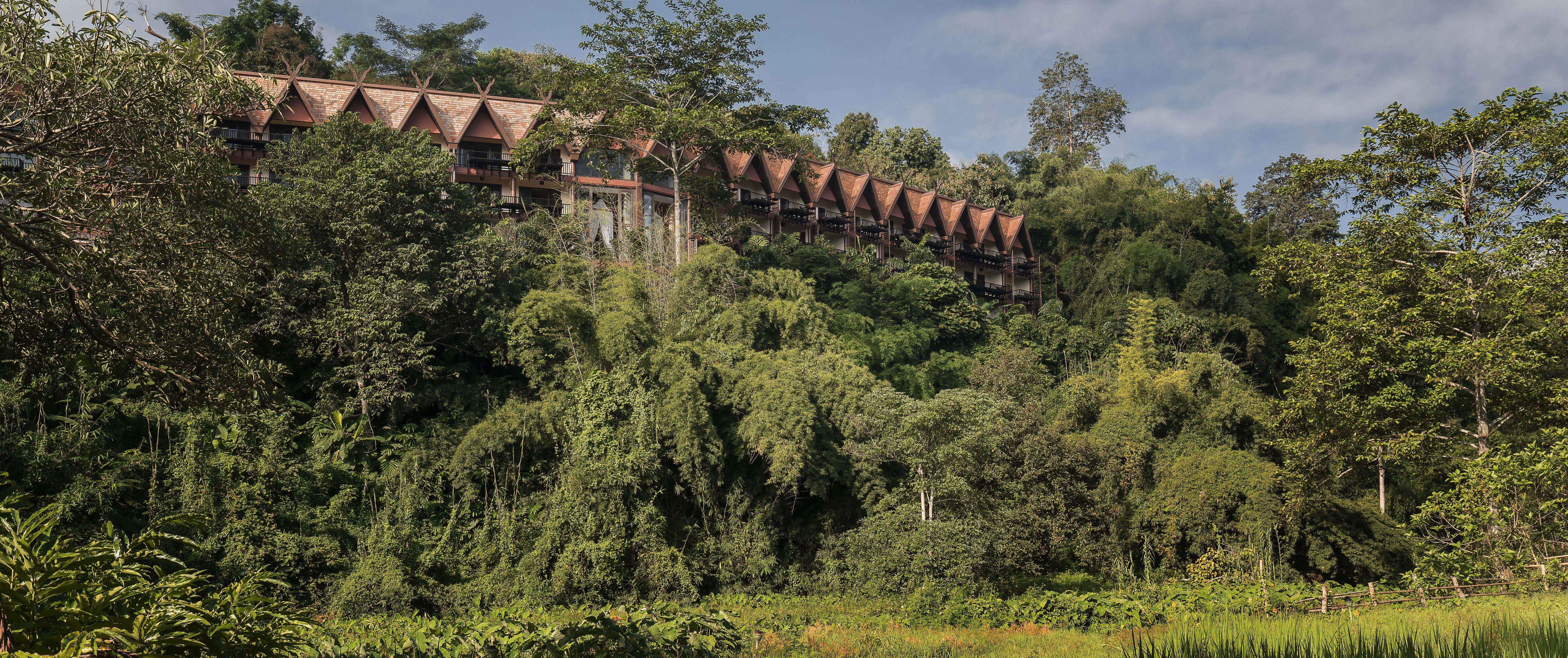 anantara-golden-triangle-facade