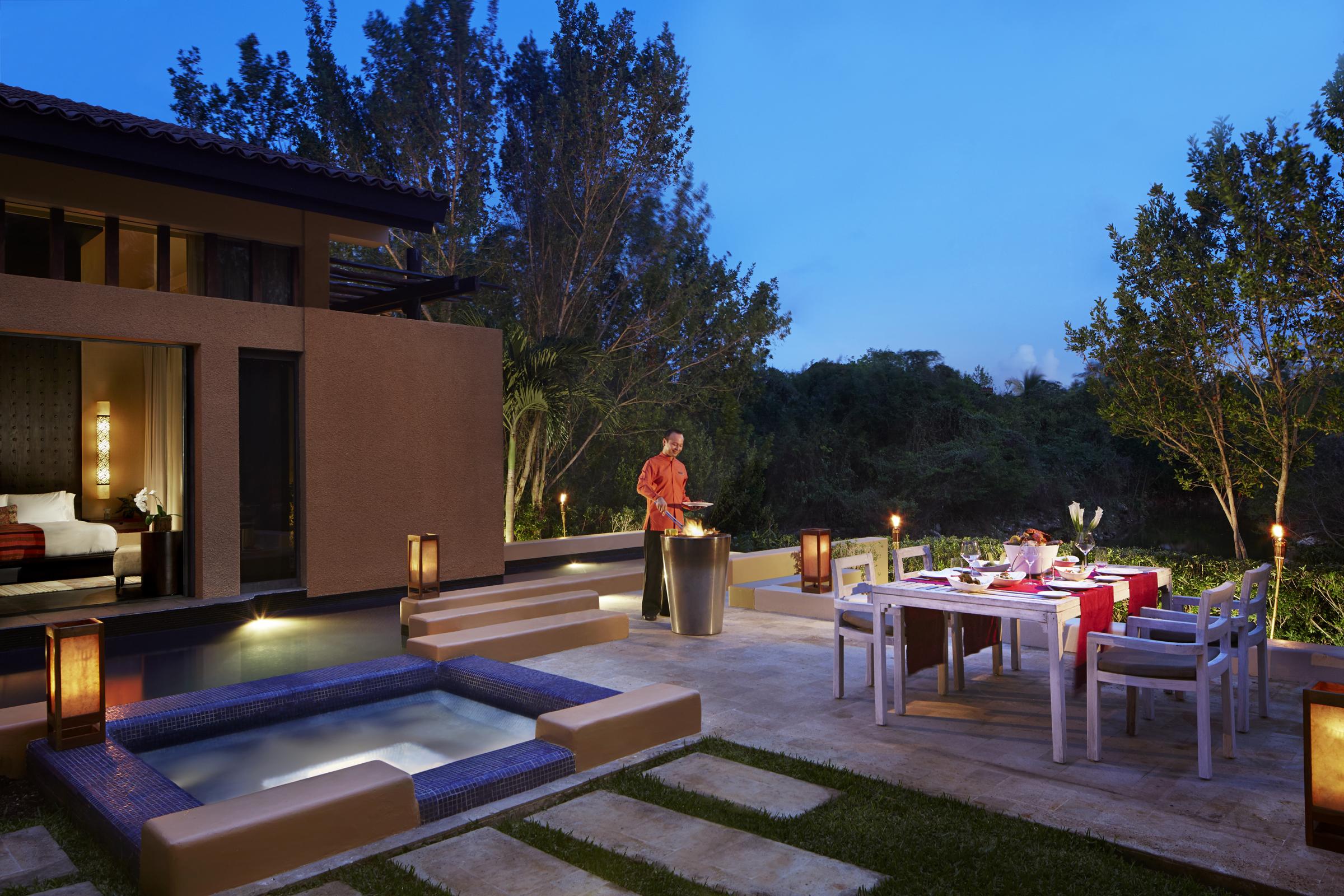 Banyan_tree_In_Villa-Dining