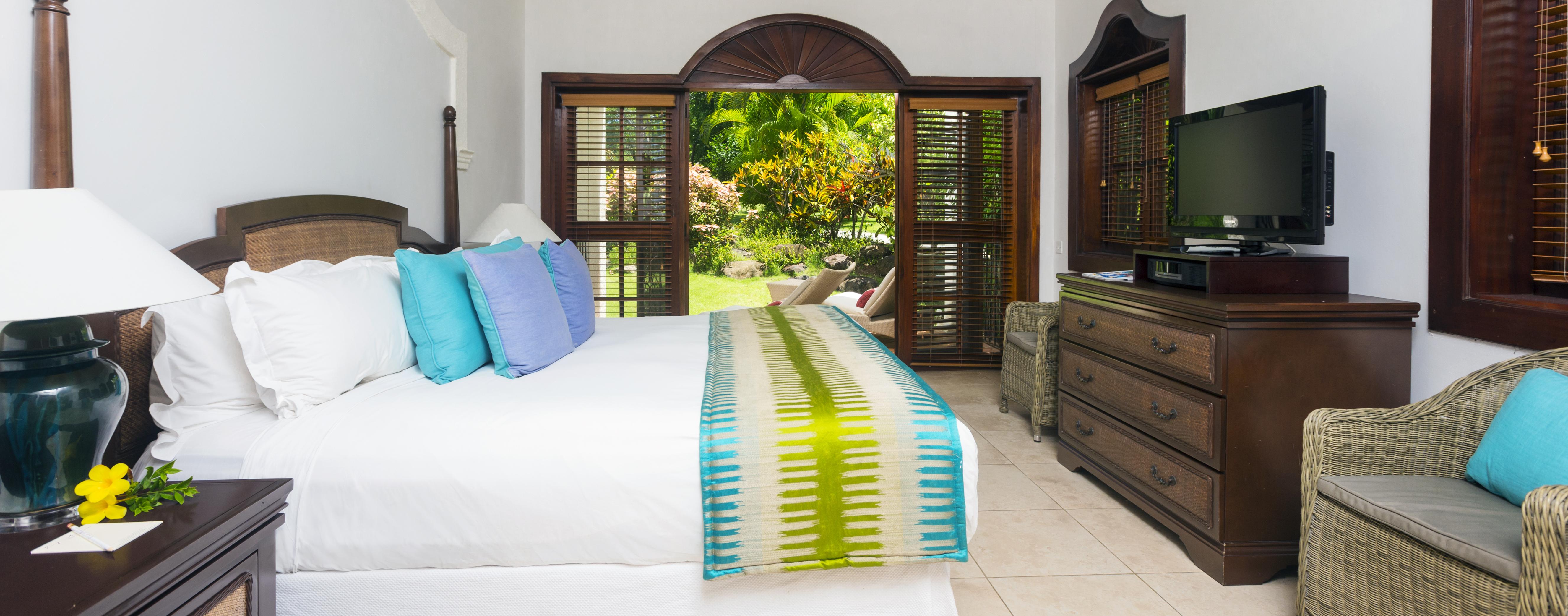 Garden-View-bedroom-cap-maison