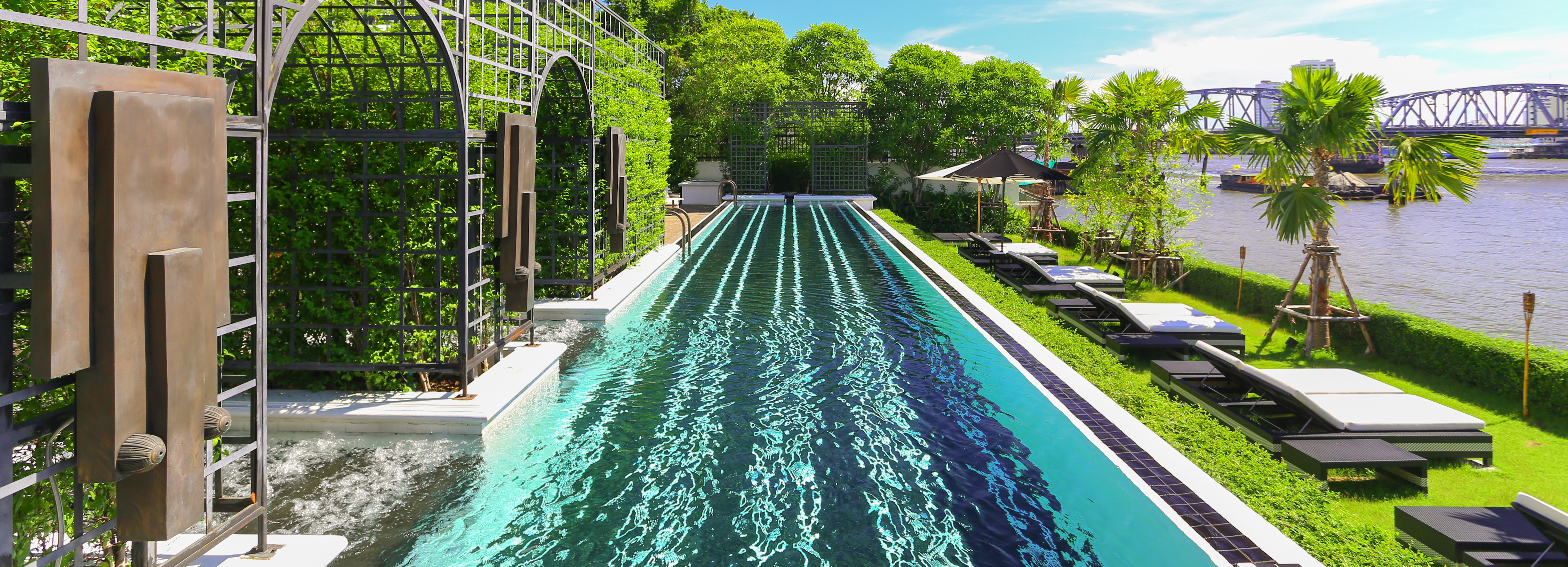 swimming-pool-river-view-the-siam