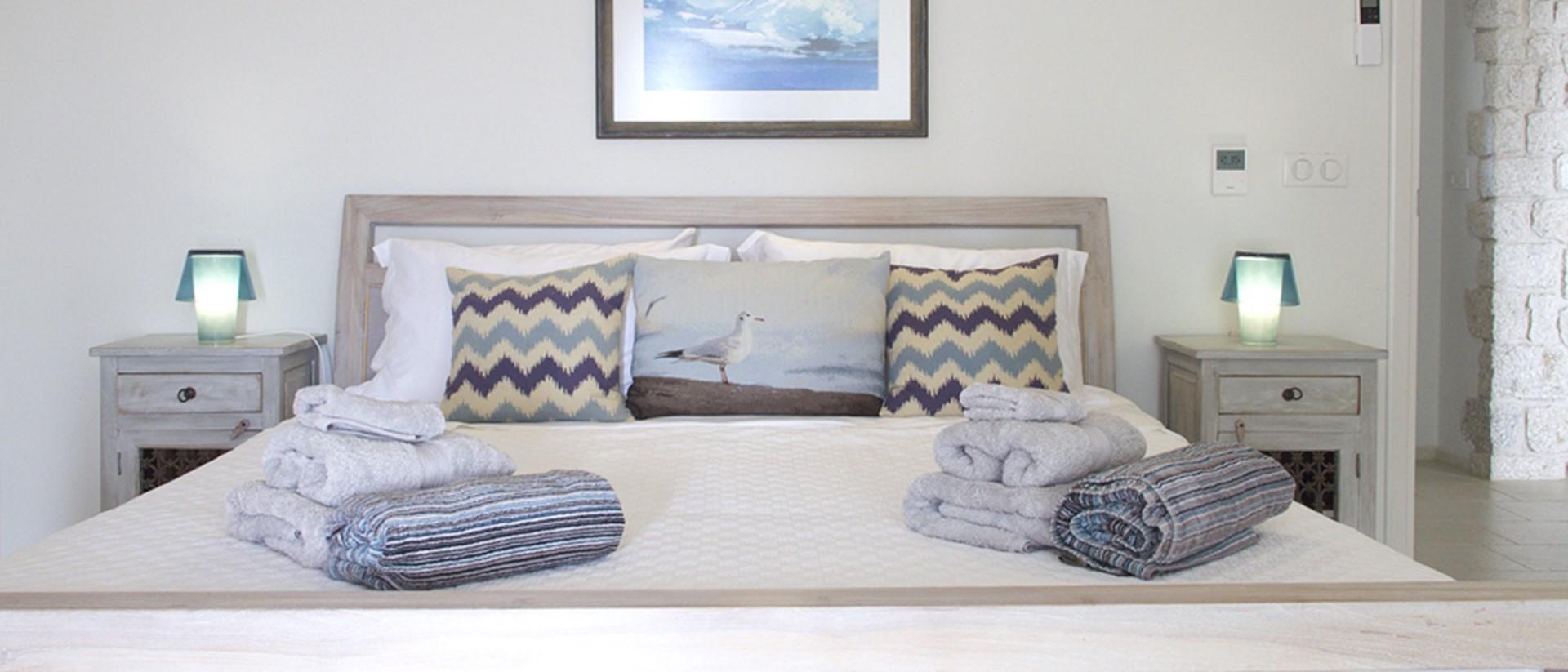 nissaki-house-pool-bedroom
