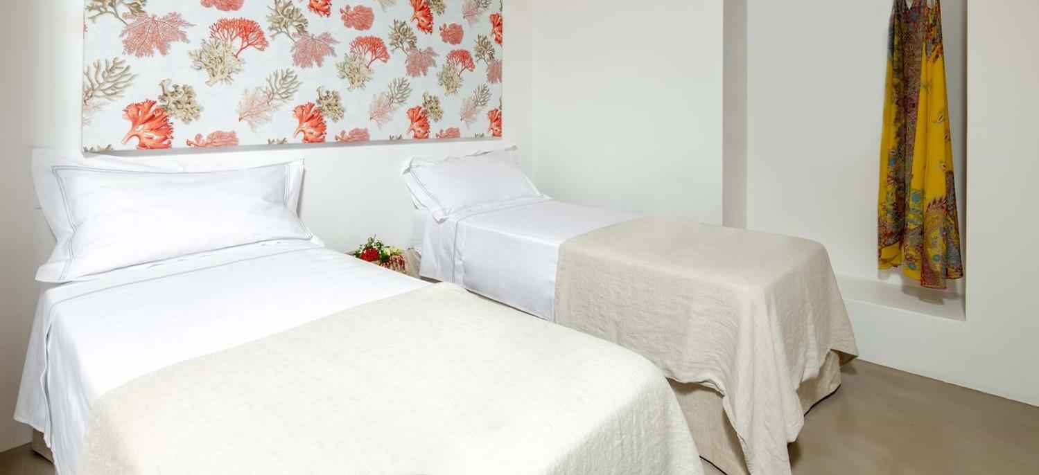 villa-la-pupazza-twin-bedroom