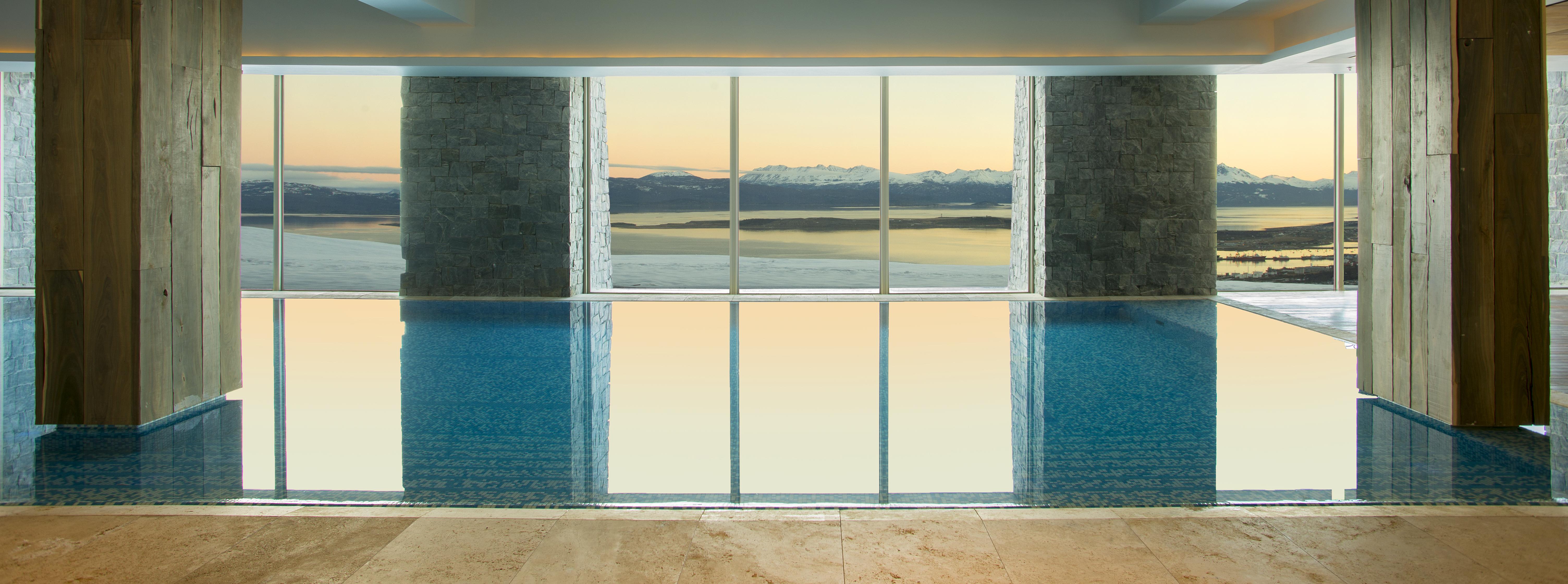 arakur-ushuaia-hotel-spa-pool