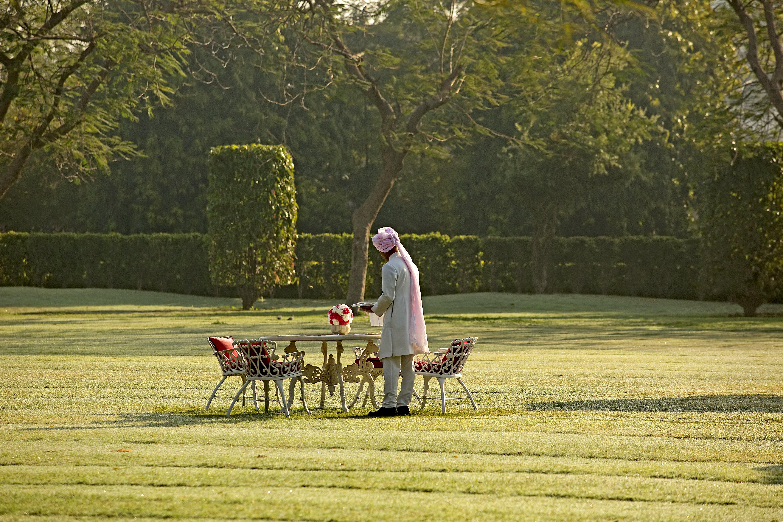 tea-in-the-garden-rajmahal-palace