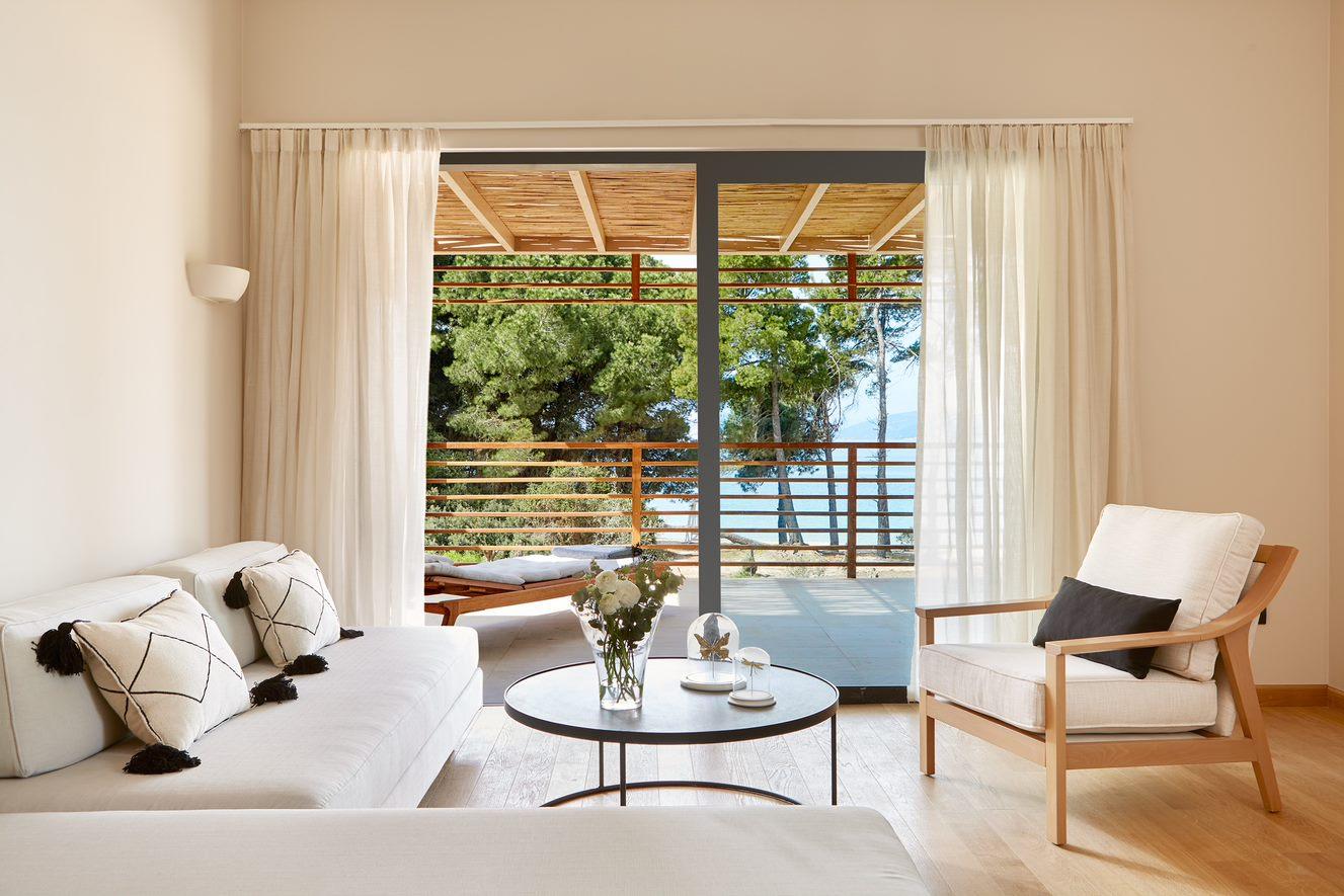 elivi-premium-seafront-suite