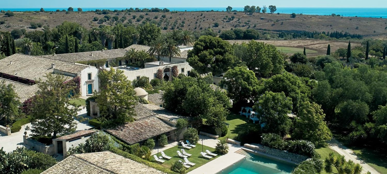 very-large-luxury-villa-sicily