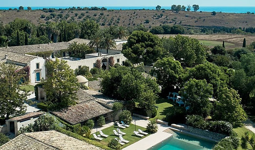 very-large-luxury-villa-sicily.jpg