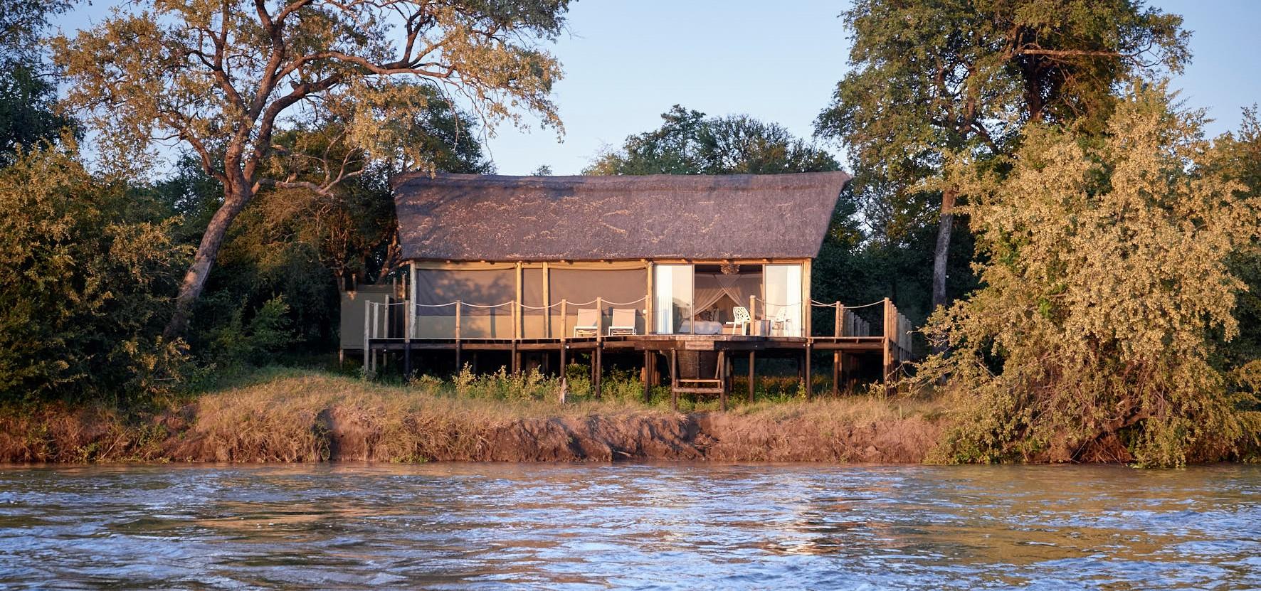 zambezi-river-lodge-luxury-tent-zimbabwe