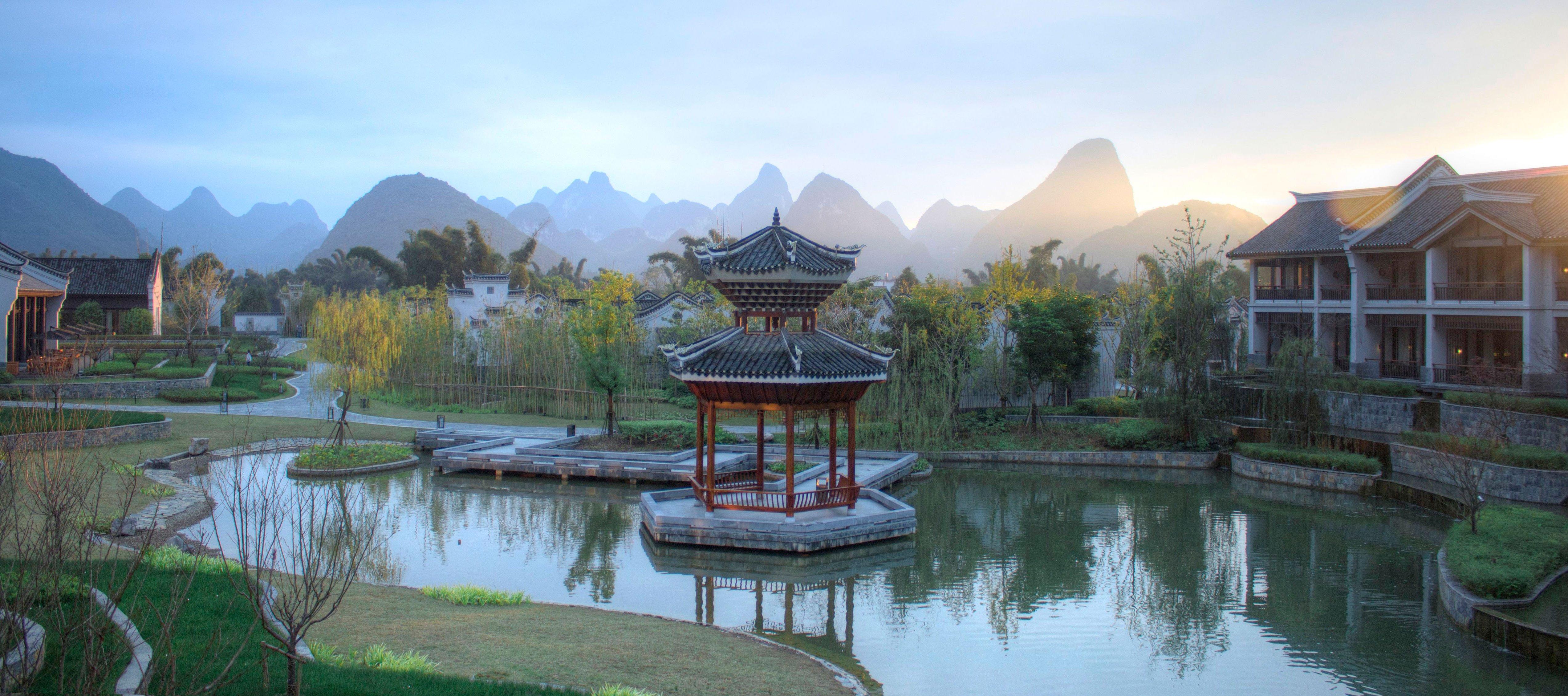 banyan-tree-yangshuo-water-garden