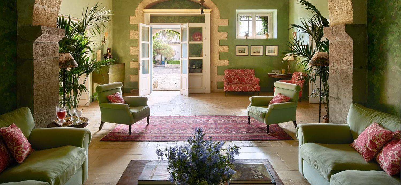villa-la-dimora-sicily-lounge