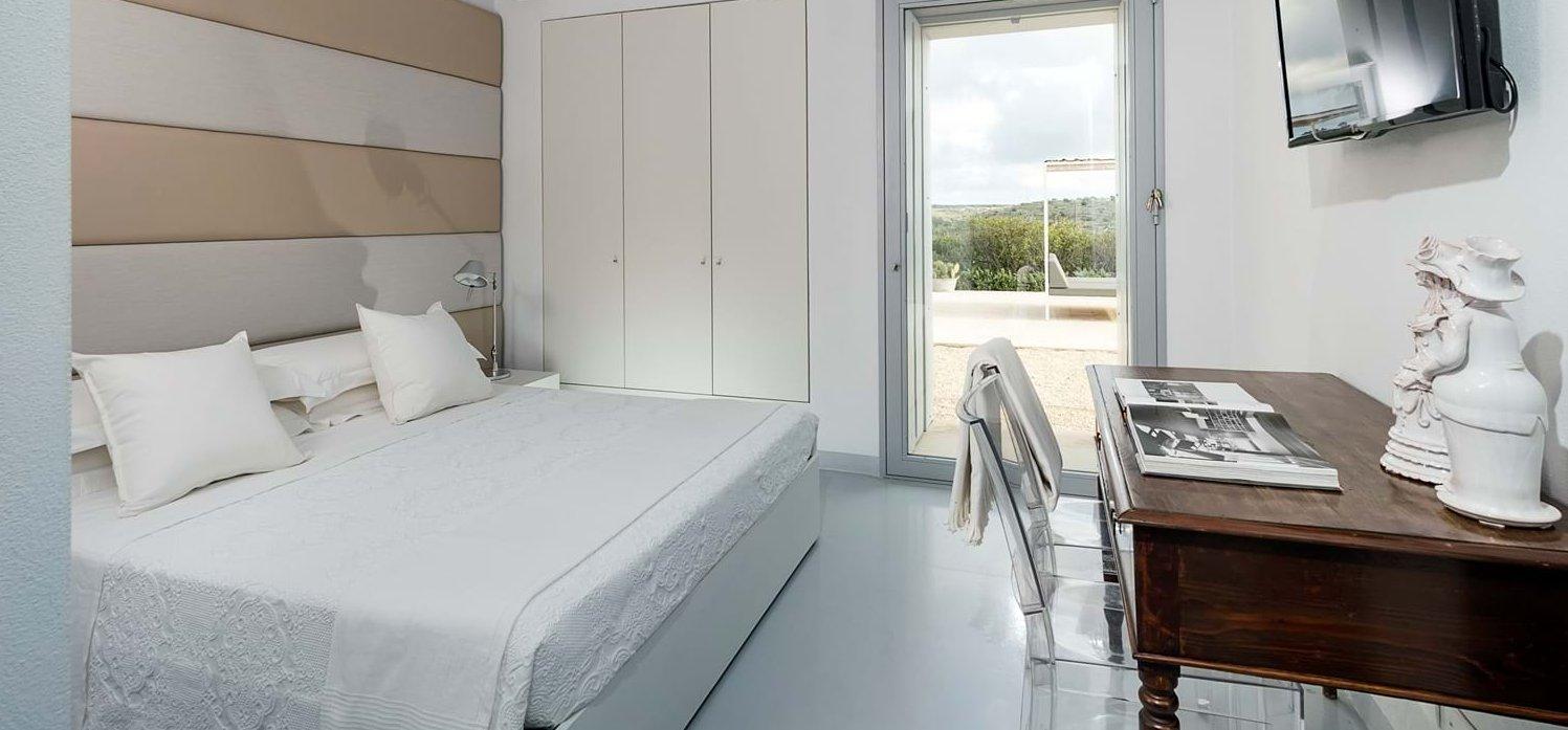 casa-iblea-double-bedroom-2