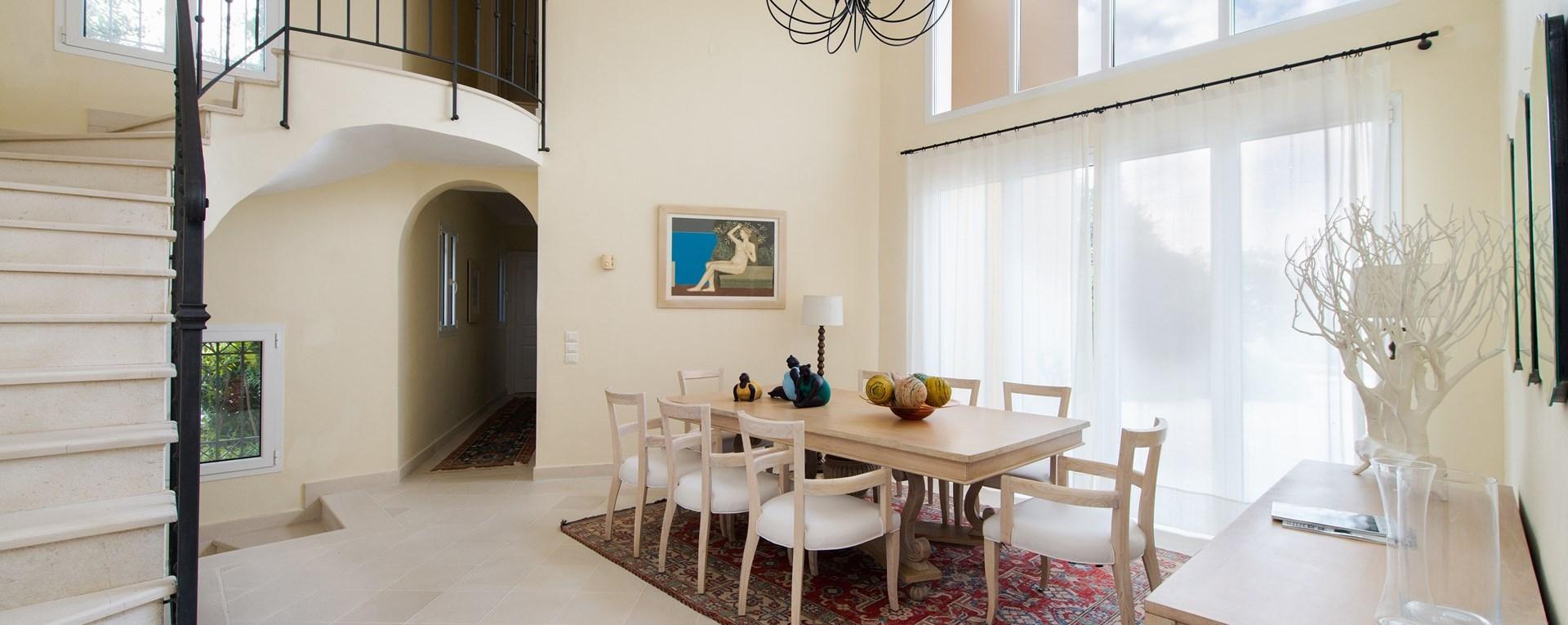villa-vinita-dining-room