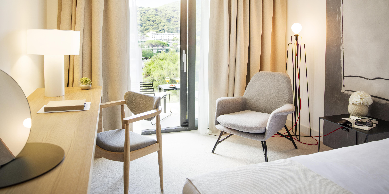 hotel-kompas-deluxe-room