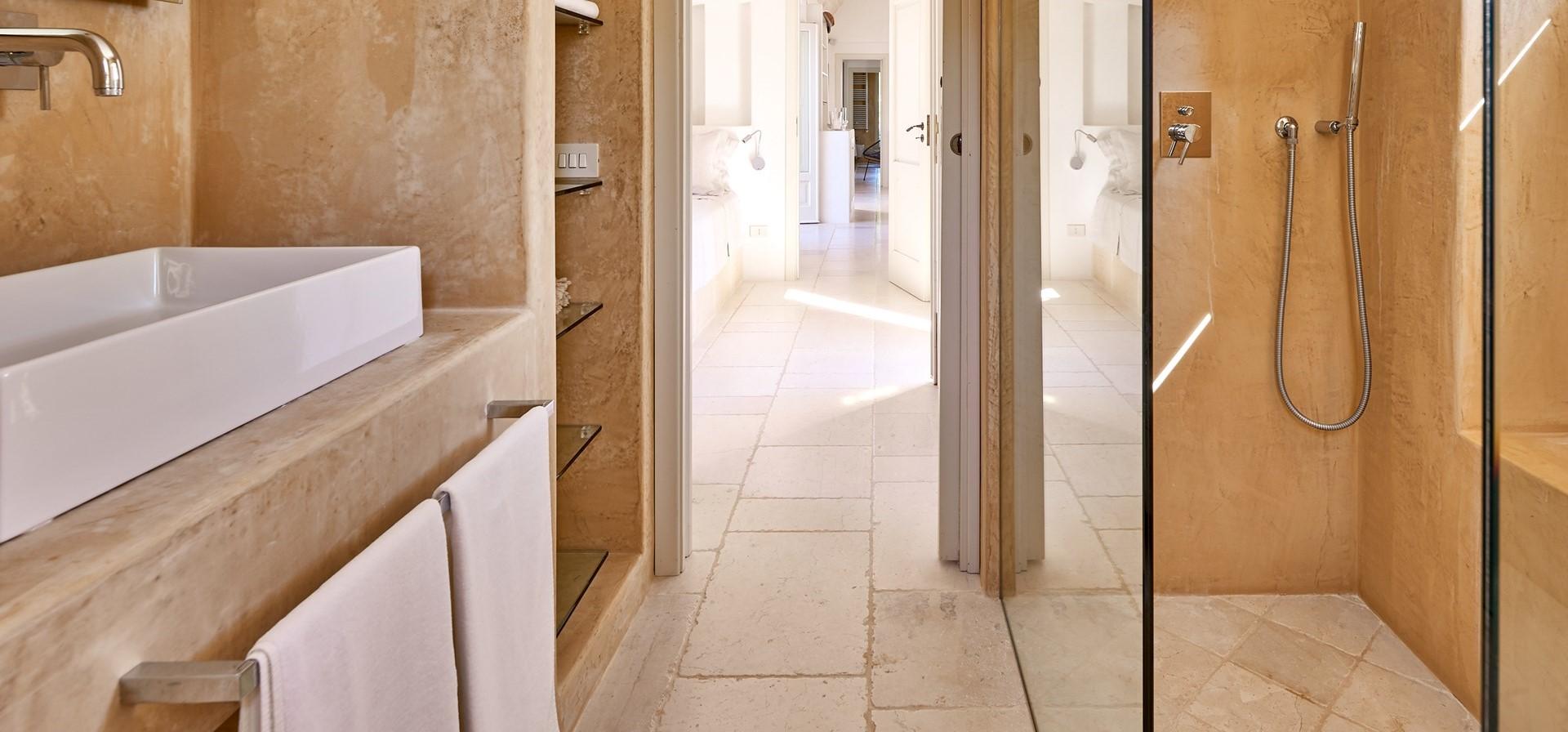 villa-verbena-modern-en-suite