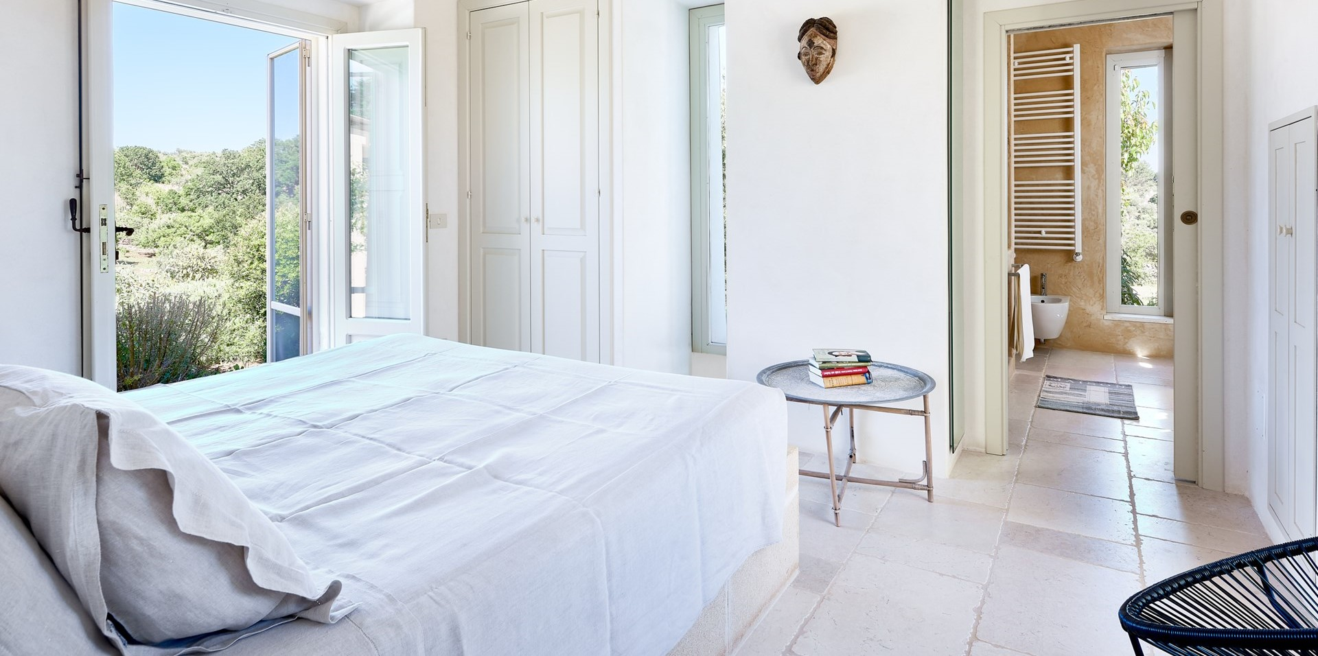 villa-verbena-puglia-double-bedroom-1