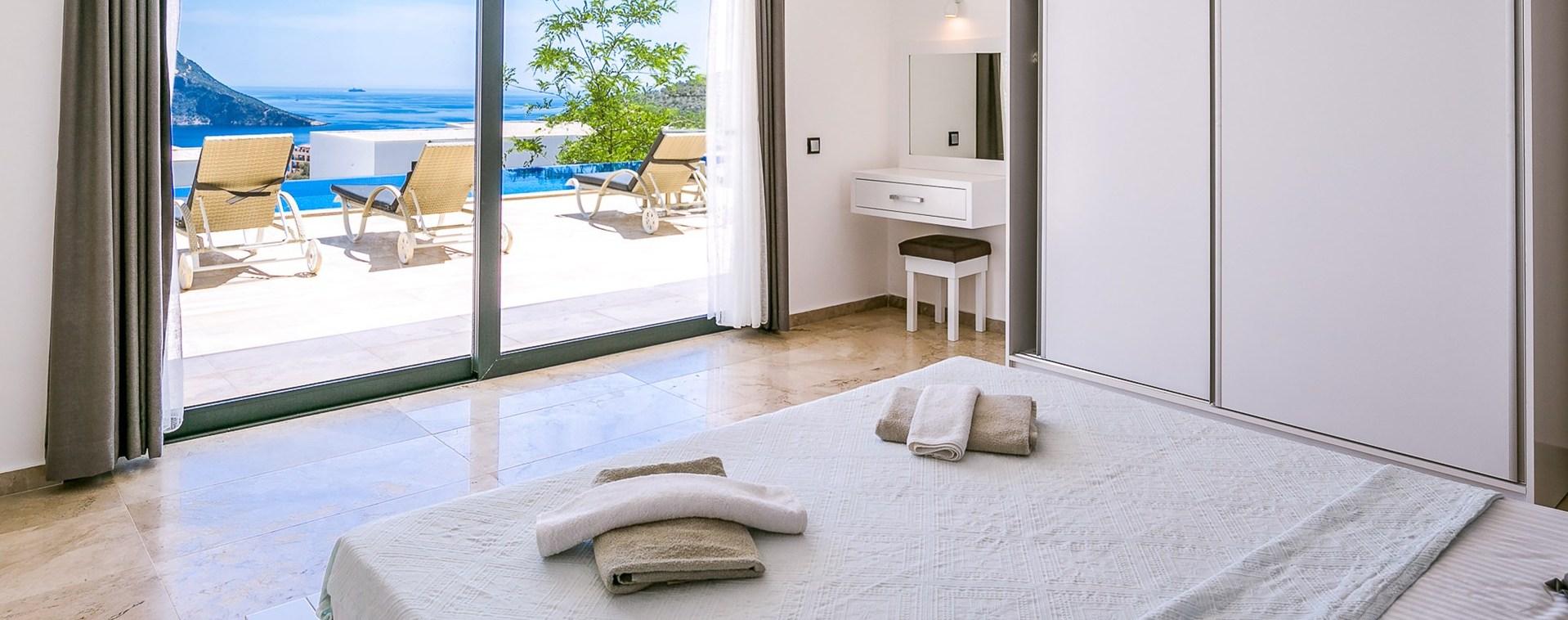 pool-terrace-bedroom-villa-rana