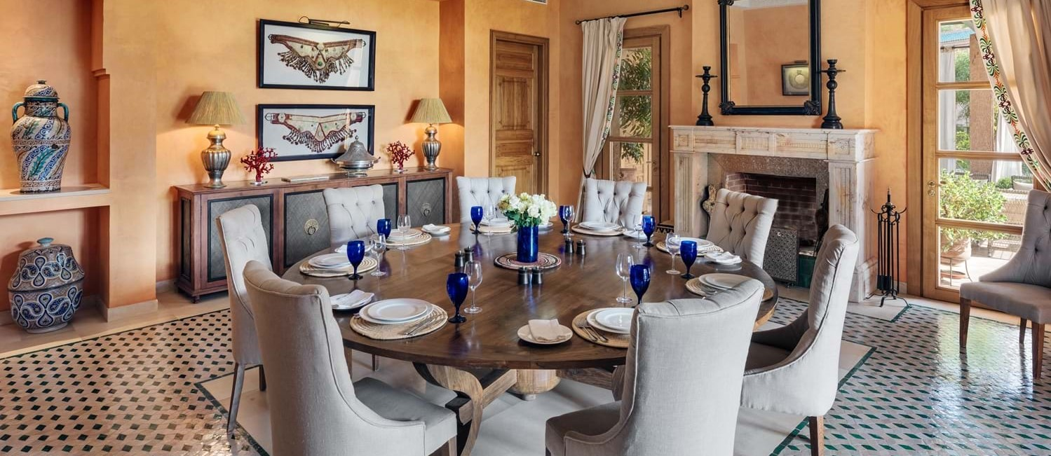 villa-cobalt-blue-dining-room