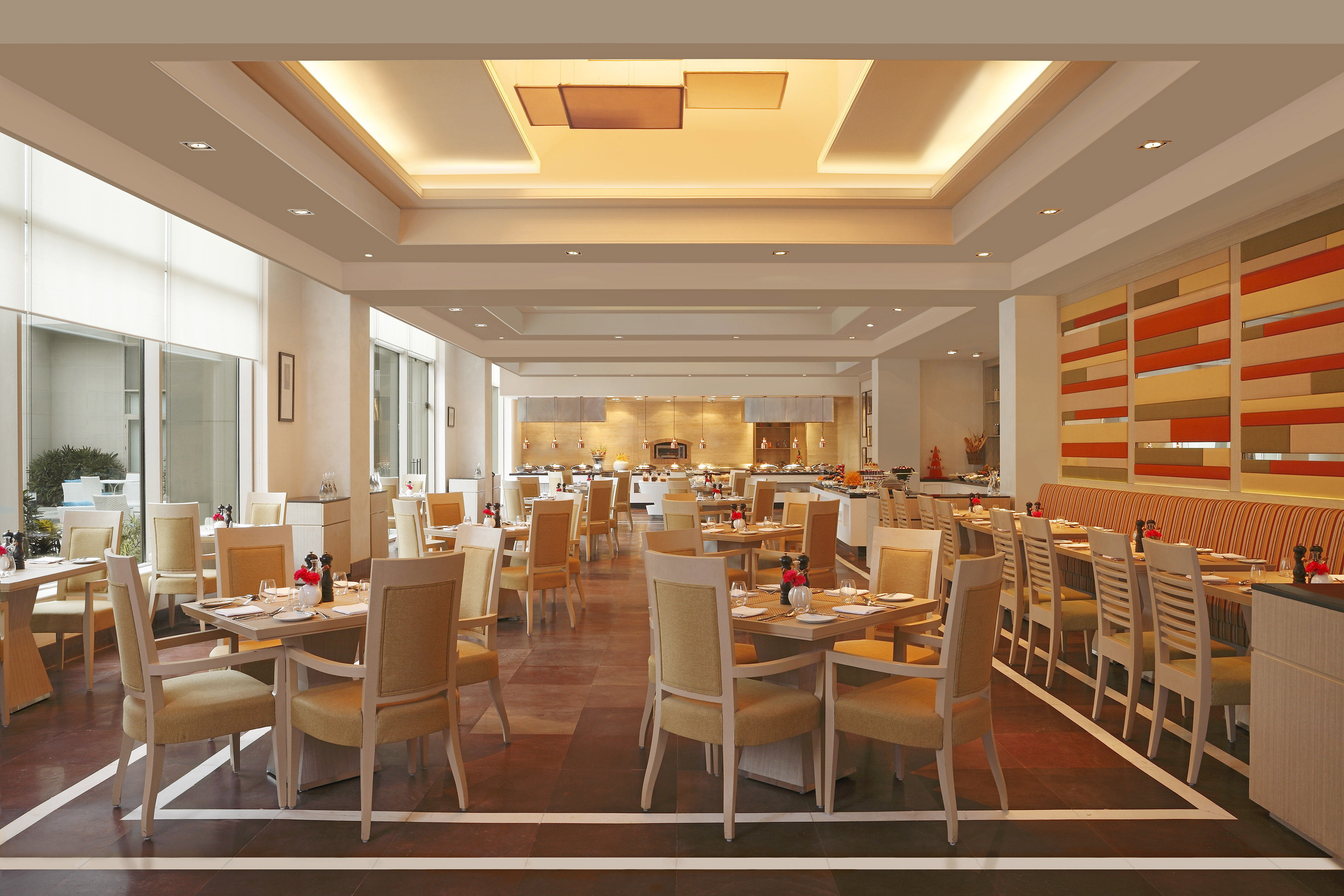 DoubleTree-by-Hilton-Agra-restaurant