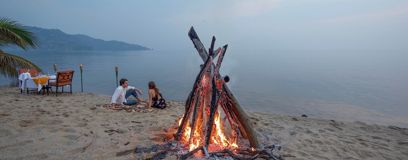 waterside-dining-lake-kivu