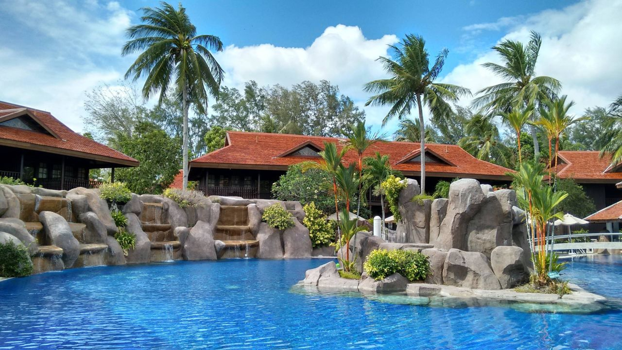 pelangi-beach-resort-pool