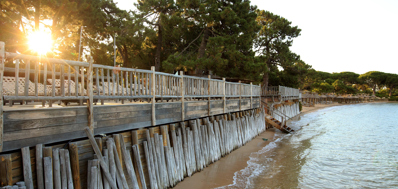 seaside-sunbathing-deck-corsica