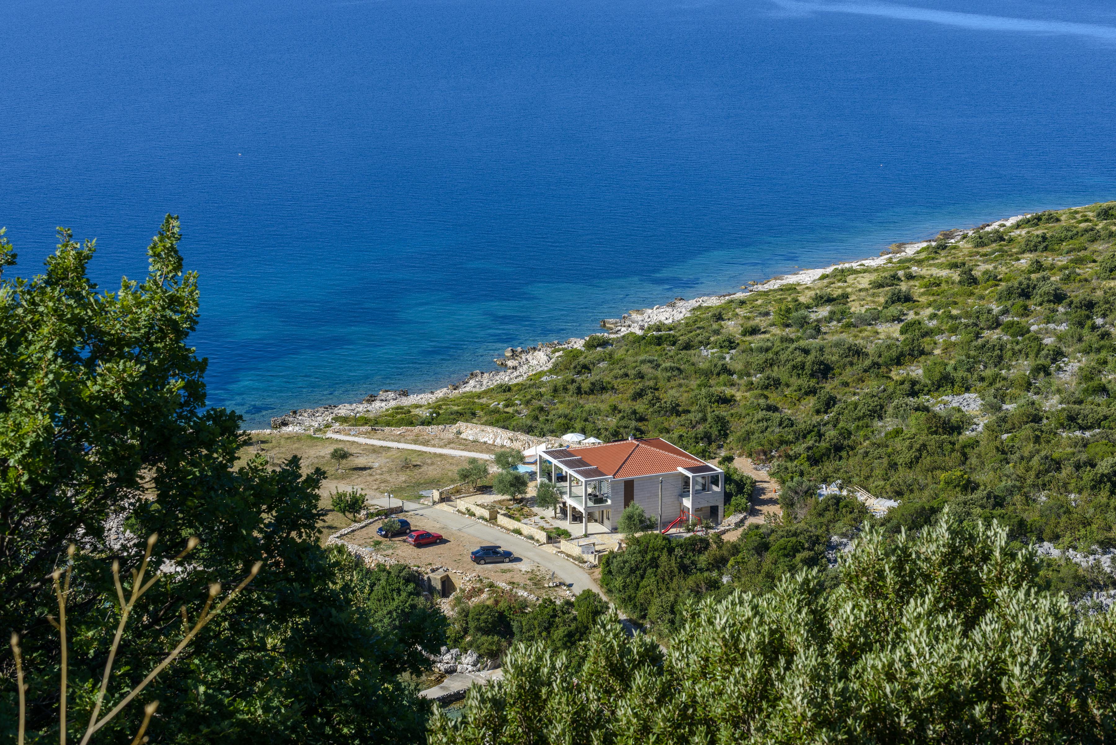 villa-with-private-mooring-croatia
