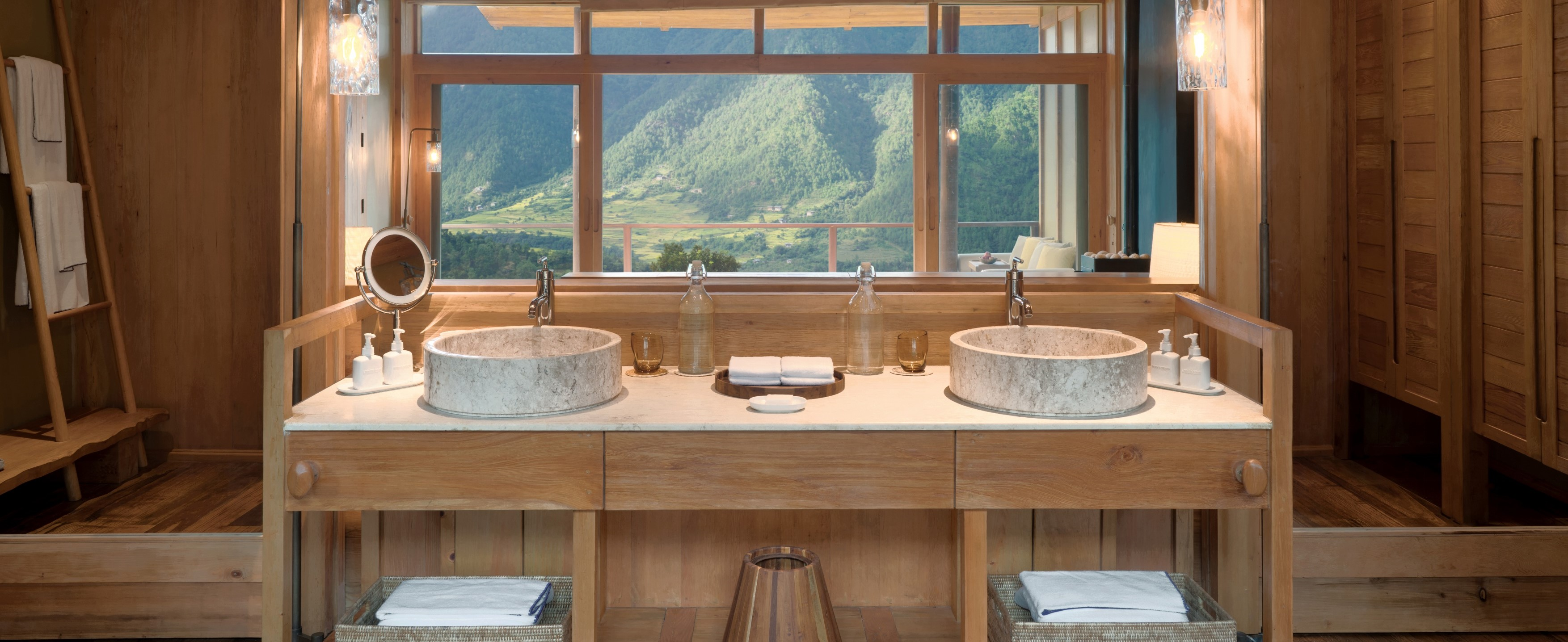 Six-Senses-Punakha-Suite-lounge