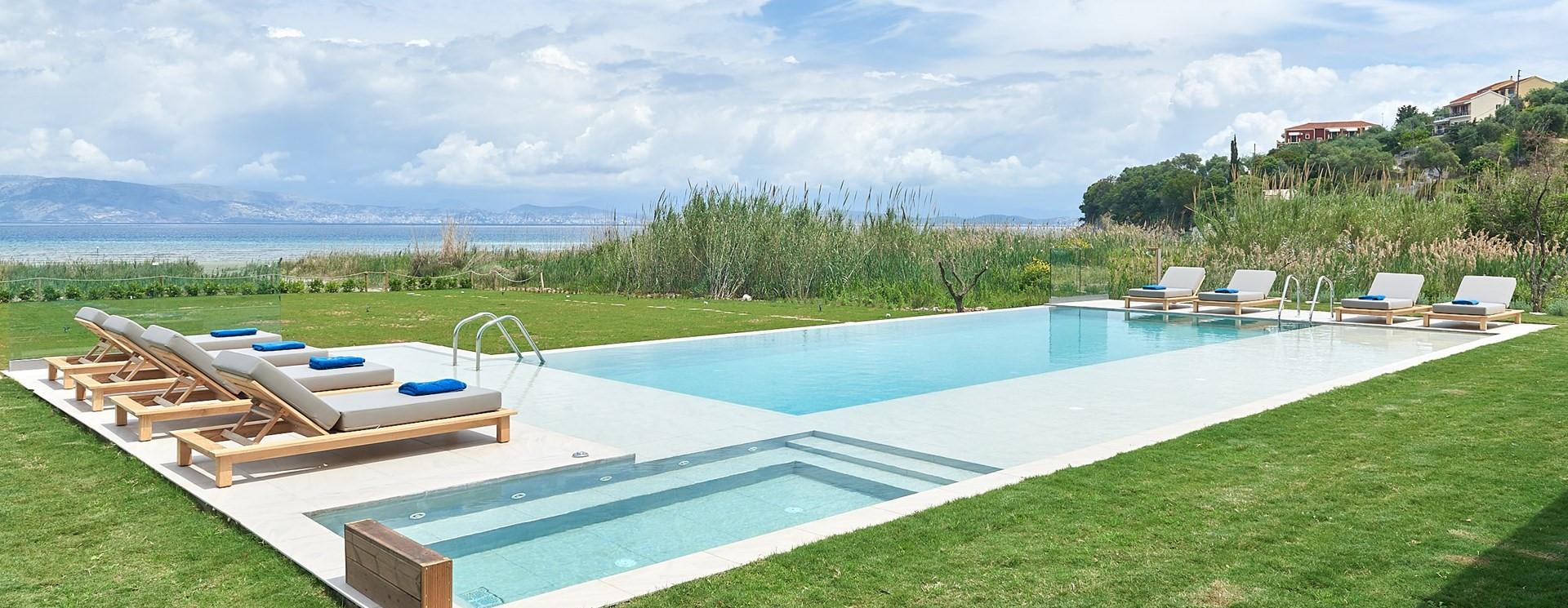 nero-beach-house-swimming-pool