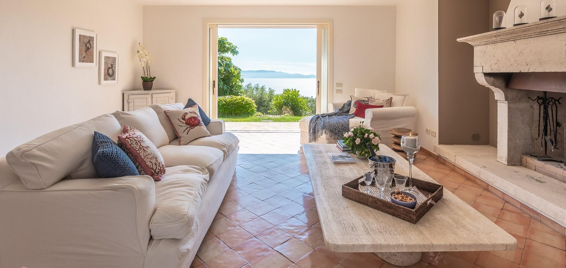 villa-vista-giglio-sitting-room