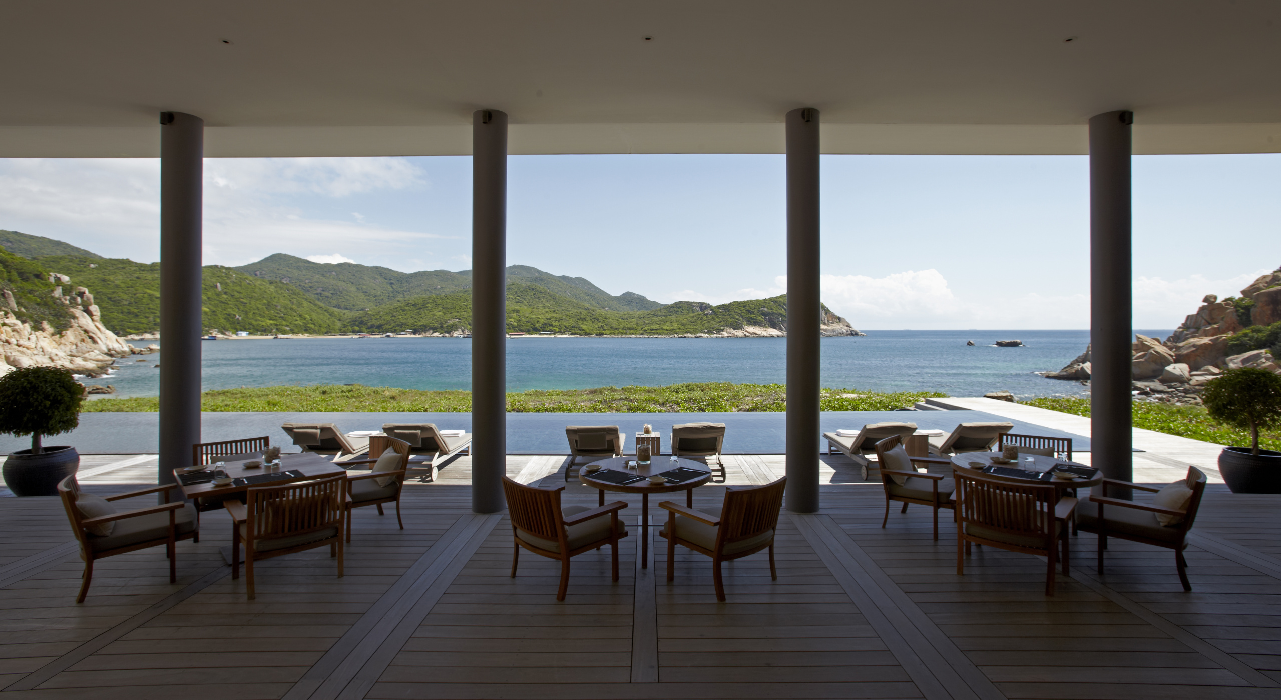 luxury-boutique-beach-hotel-vietnam