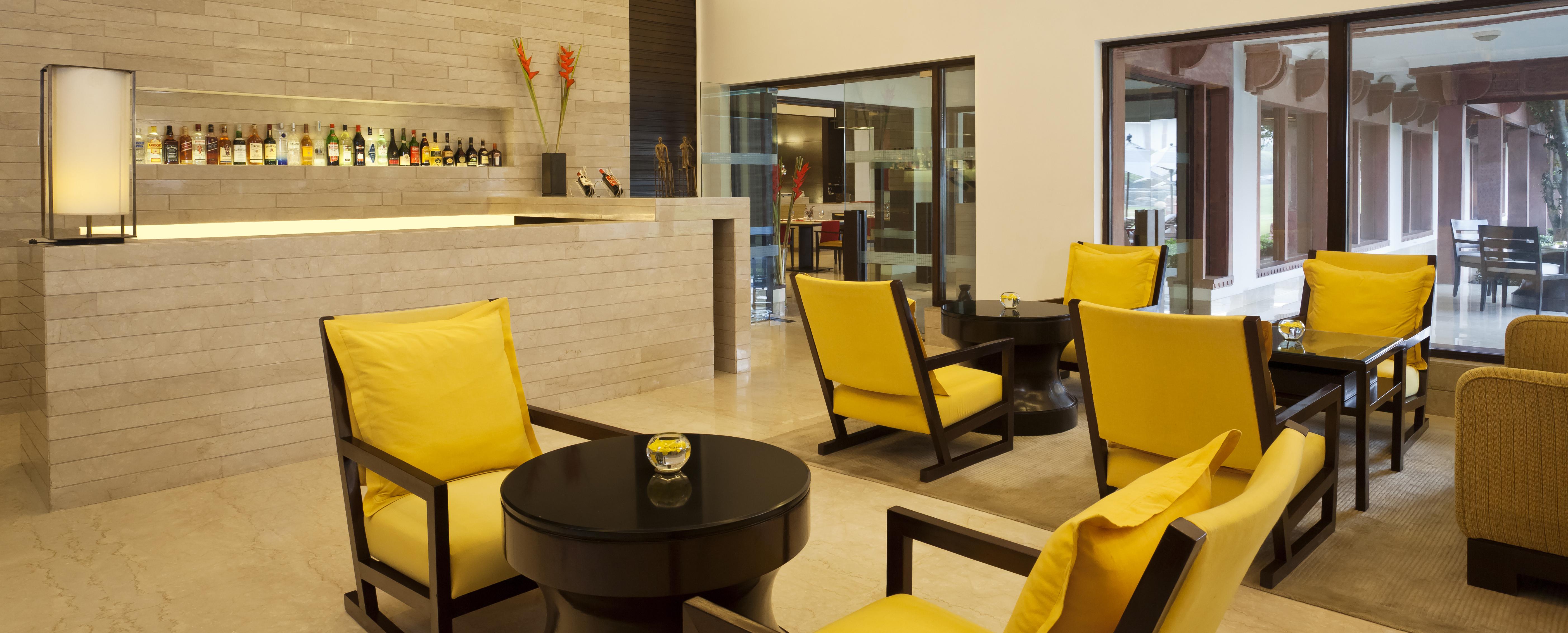 Trident-Hotel-Agra-Bar