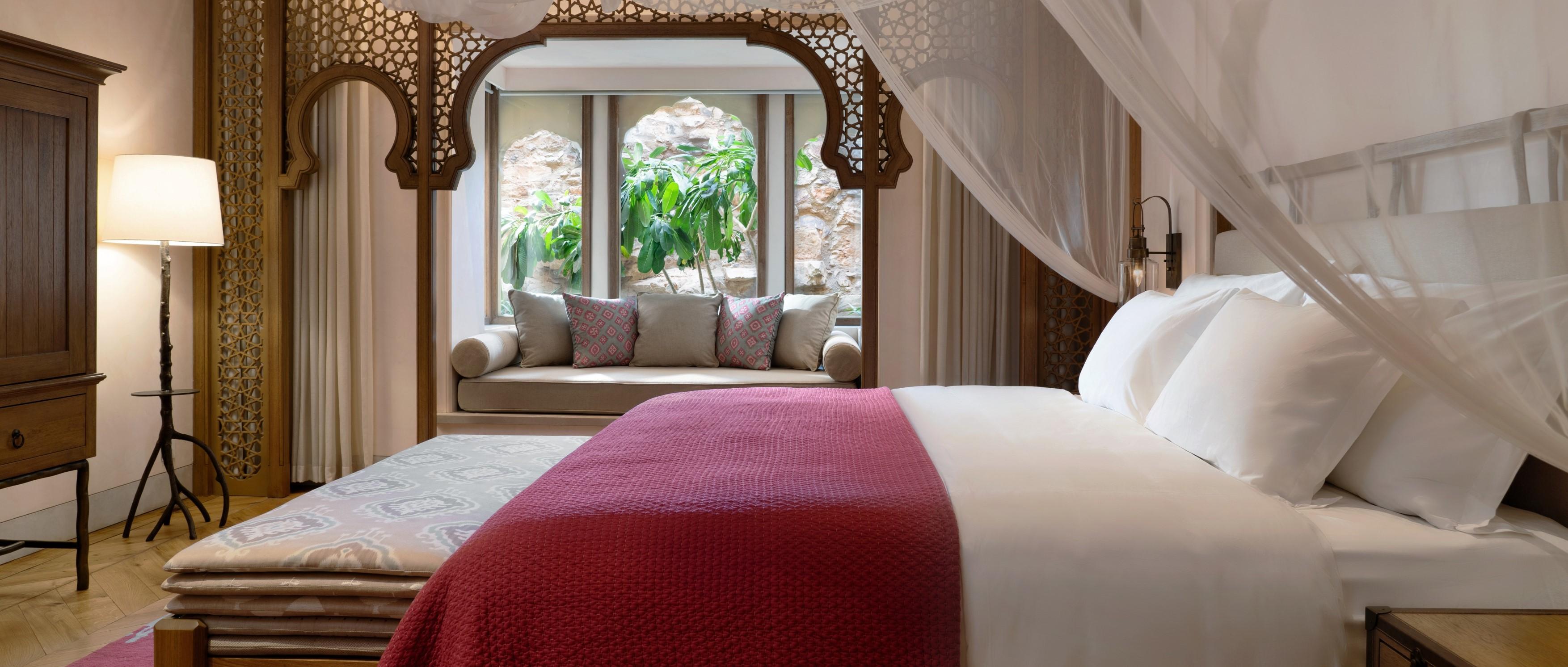 Deluxe-Barwara-Suite-bedroom