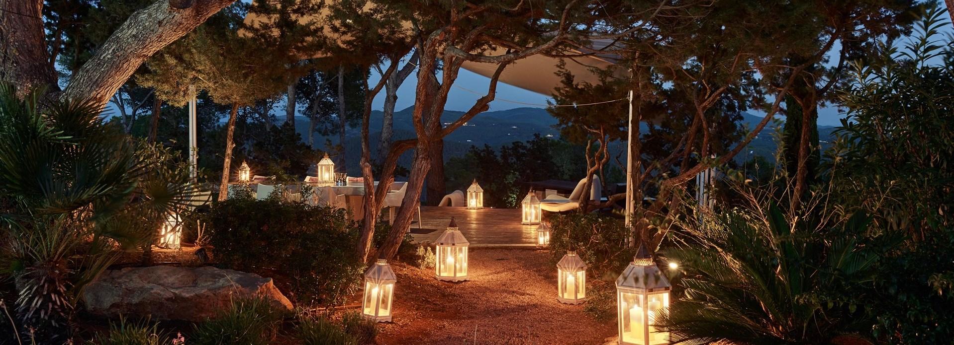 romantic-dining-space-ibiza