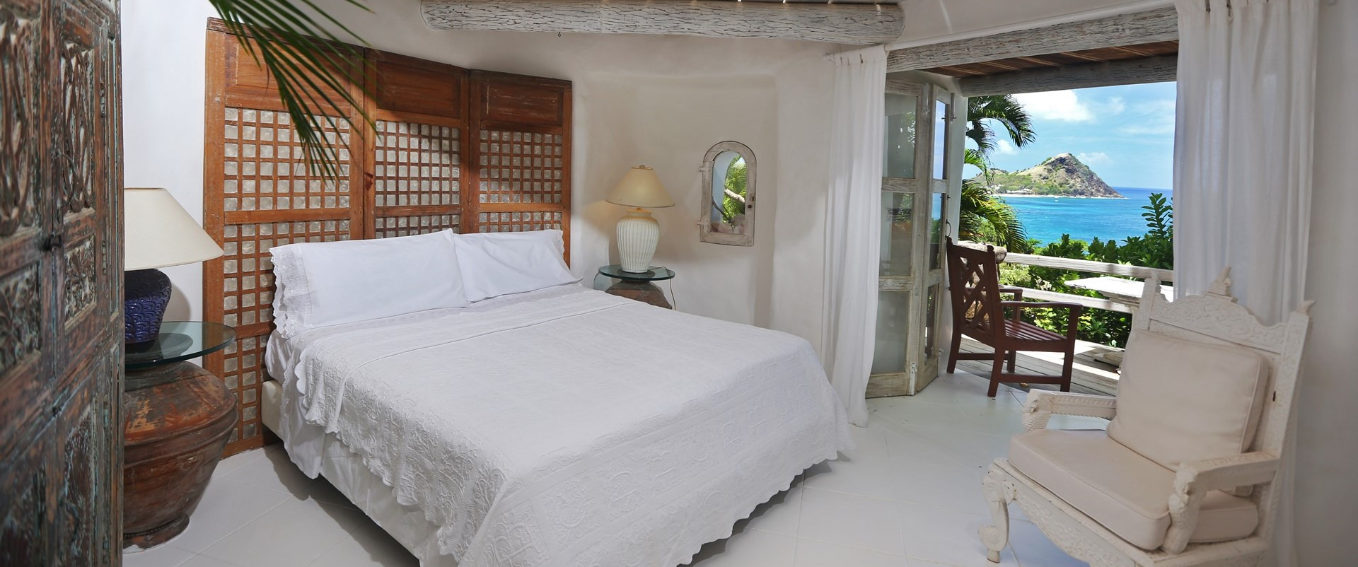 smugglers-nest-villa-double-bedroom-2