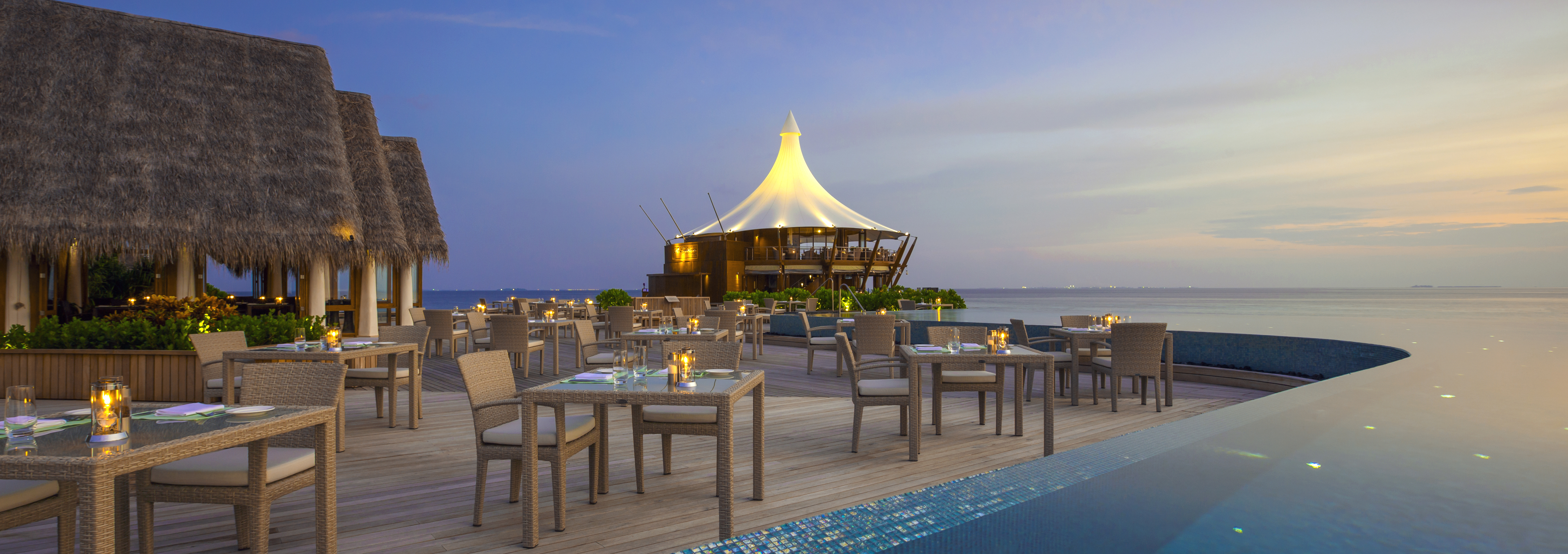 Baros-Maldives-Lime-Restaurant