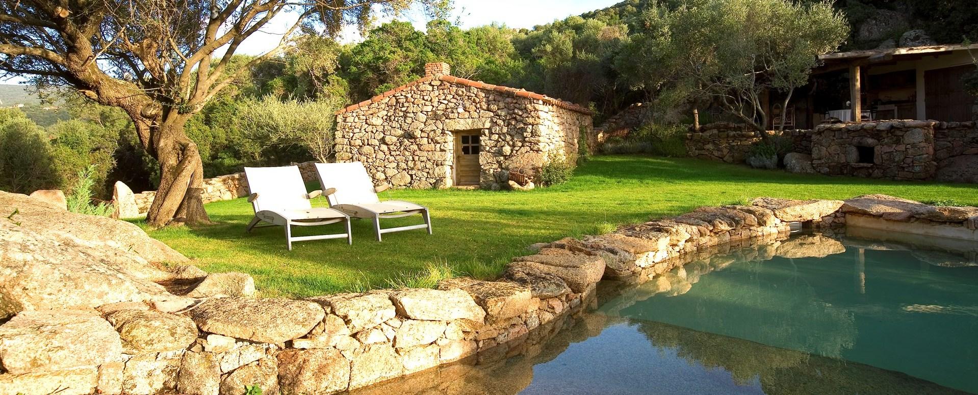 villa-nepita-corsica-pool