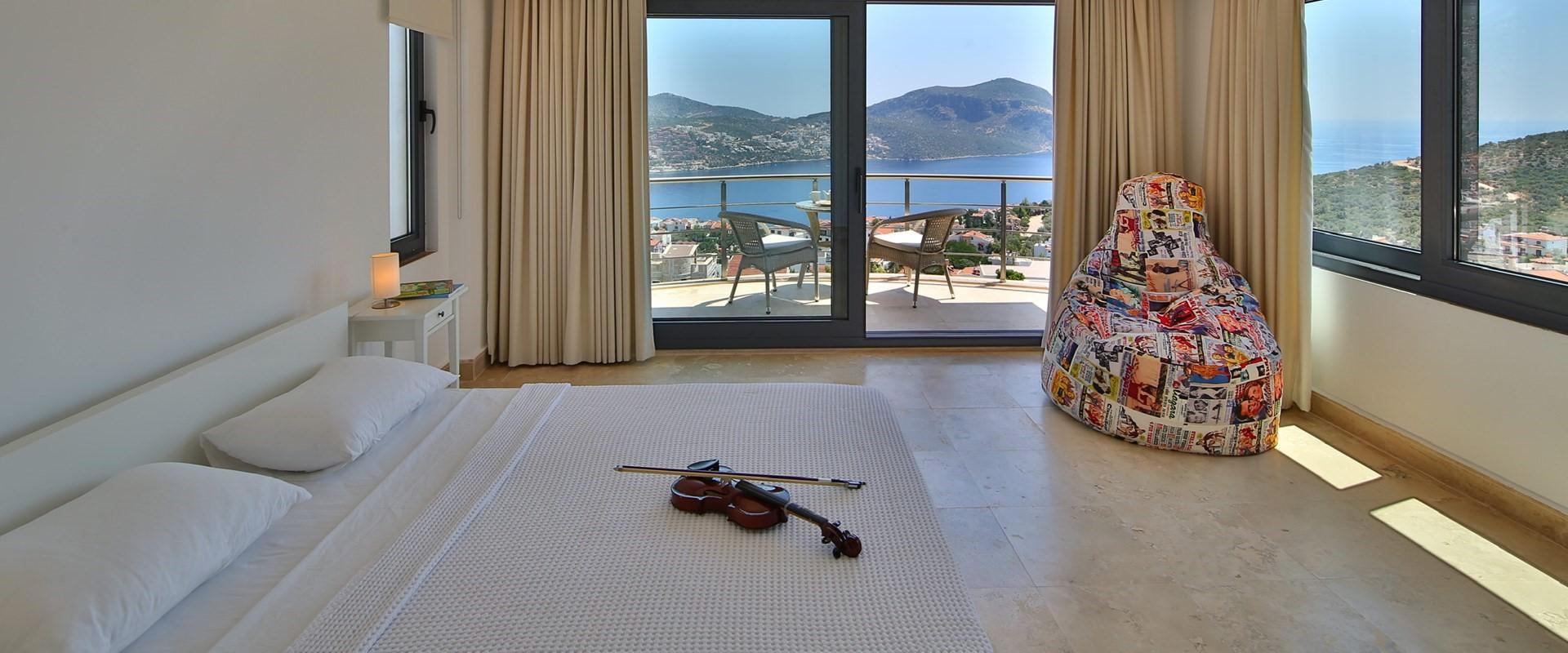villa-ecrin-kalkan-double-bedroom-4