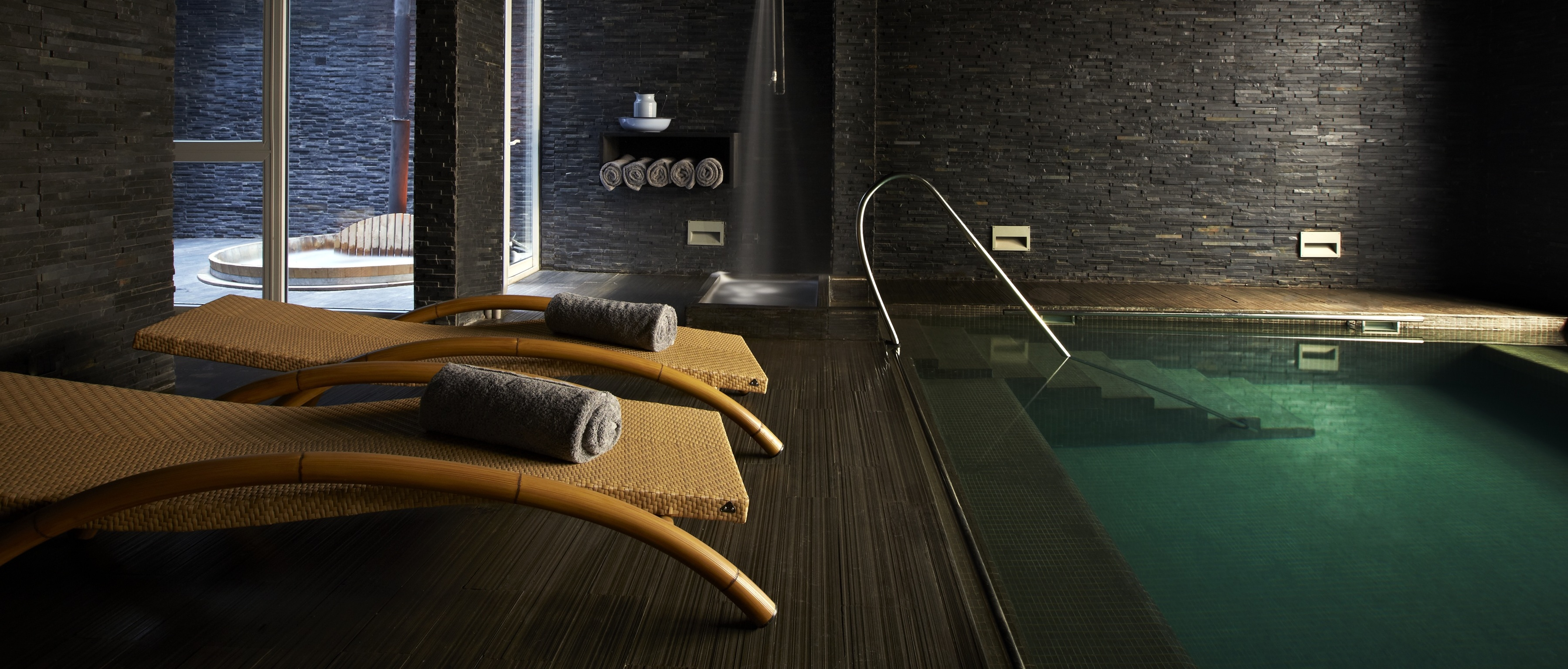 hotel-palacio-valparaiso-spa-pool