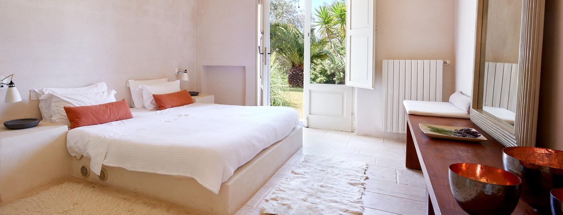 la-moresca-double-bedroom1