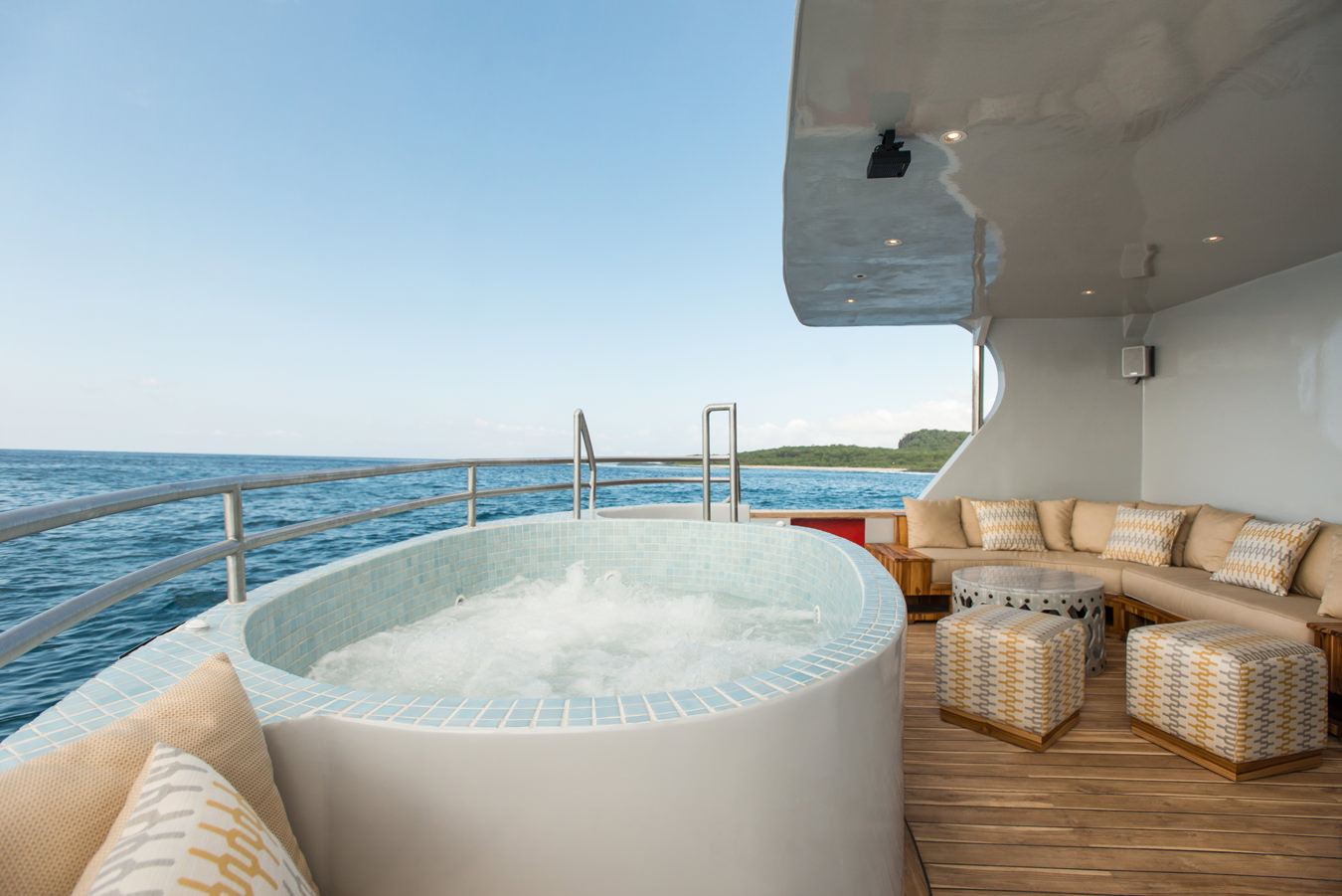 luxury-tailaor-made-galapagos-cruise